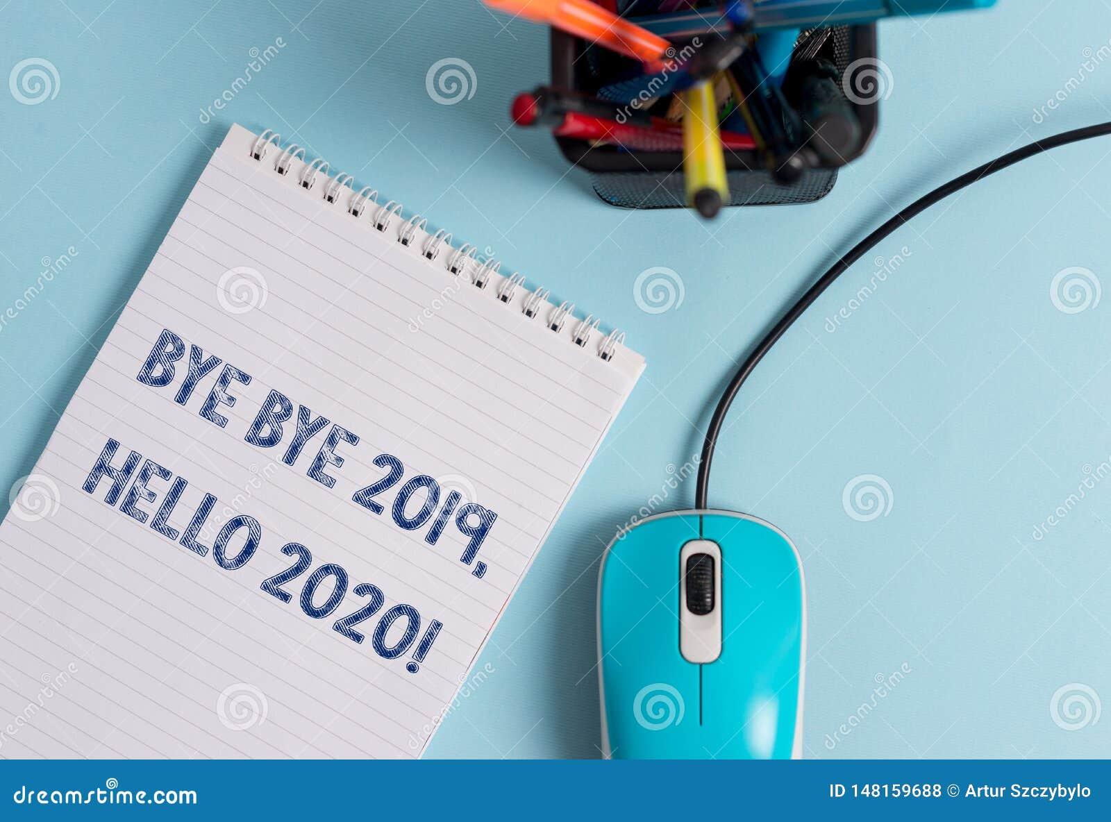 Konceptualna r?ka pisze pokazywa? walkower - walkower 2019 2020 Cze?? Biznesowa fotografia pokazuje m?wi? ostatni rok do widzenia