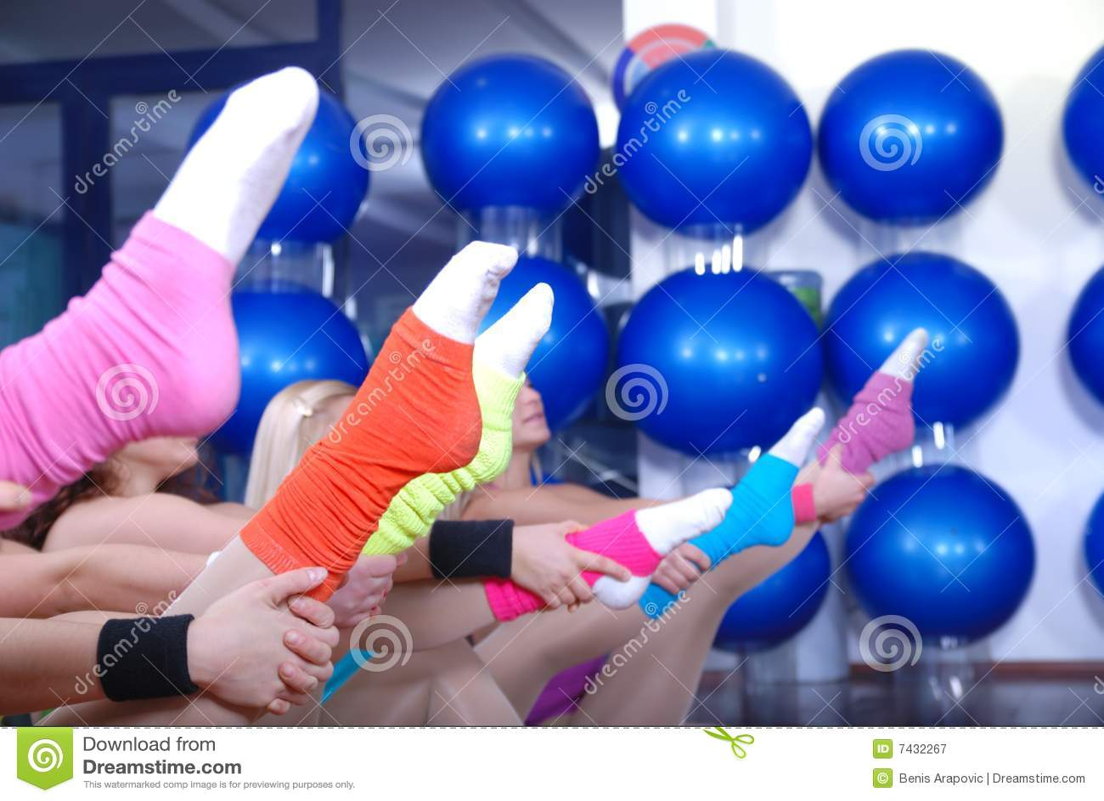 Konditionövning och färgrika sockor