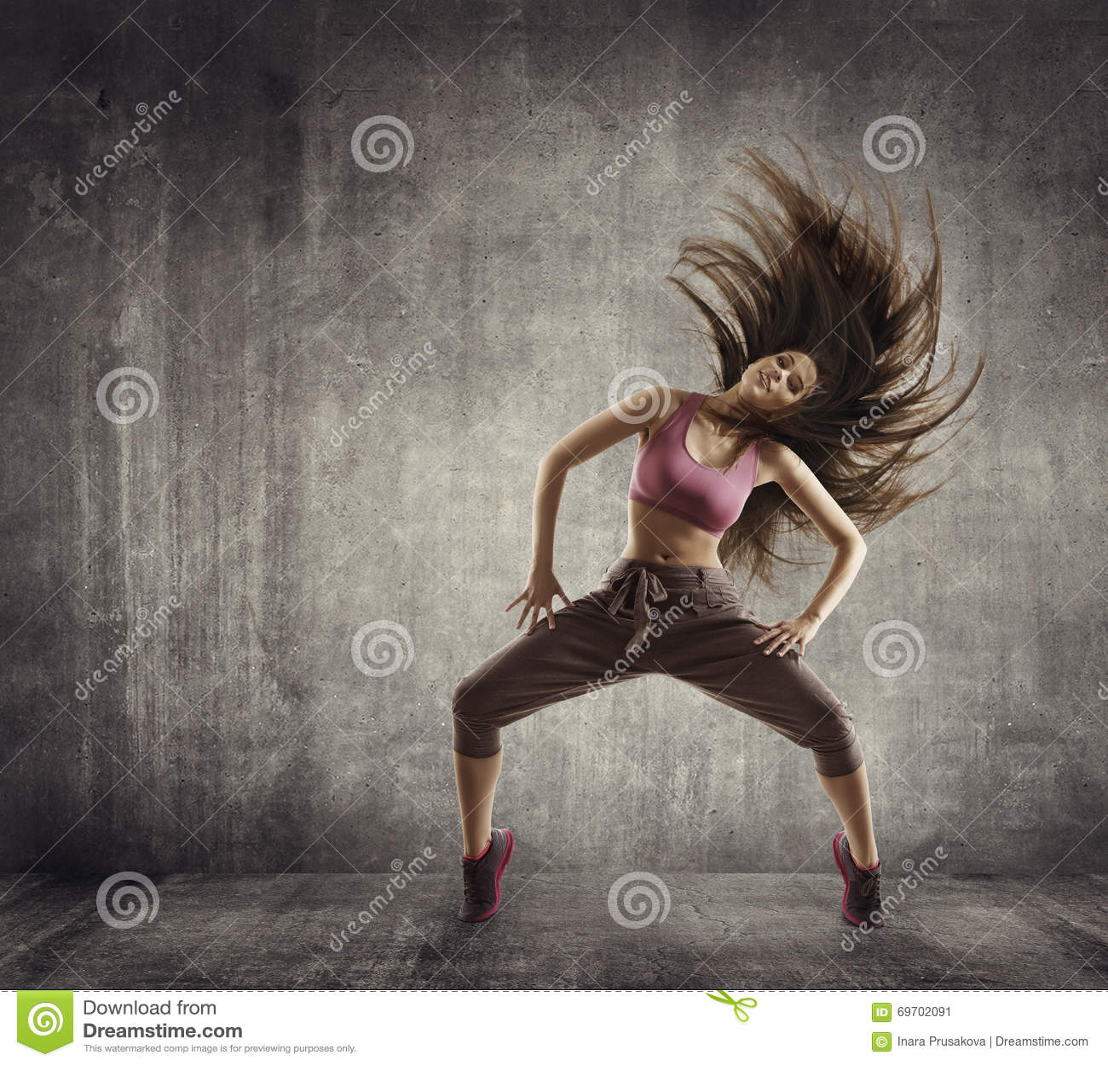 Konditionsportdans, kvinnadansare Flying Hair Dancing, betong