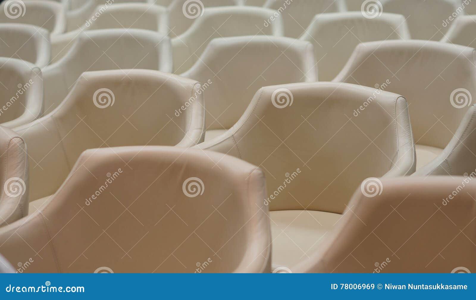 Konferenzsaal bevor dem Treffen