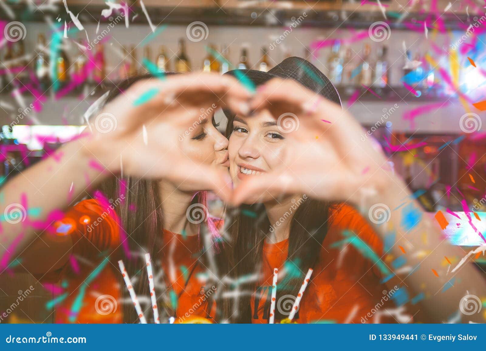 Machen Lesbische Liebe Mädchen Tochter (14)