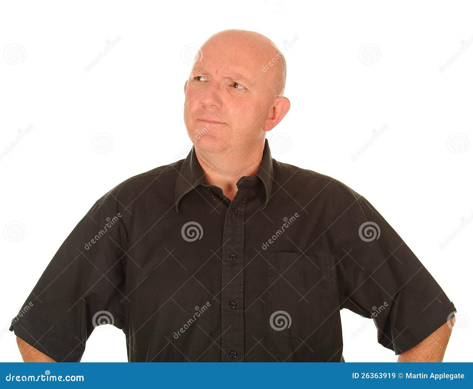 Konfuser mittlerer gealterter Mann