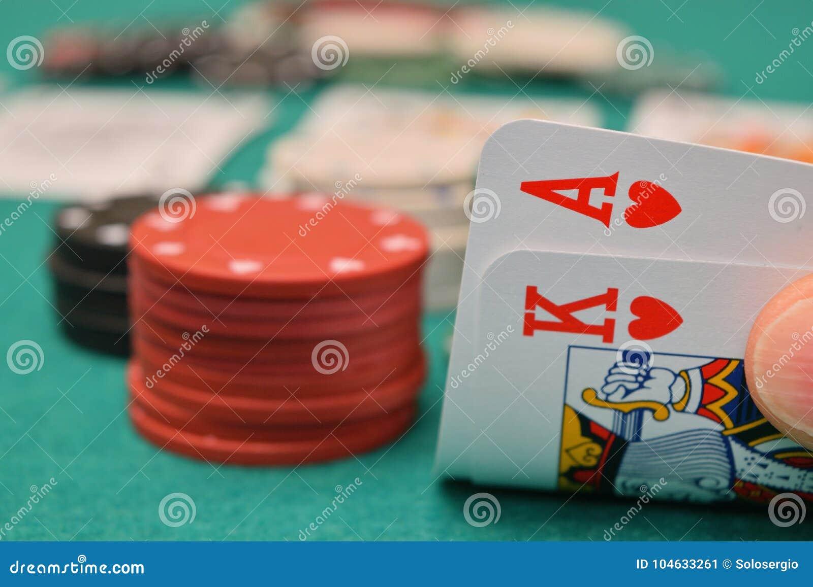 Download Koning En Aas Op Een Het Gokken Lijst Stock Afbeelding - Afbeelding bestaande uit hand, vermaak: 104633261