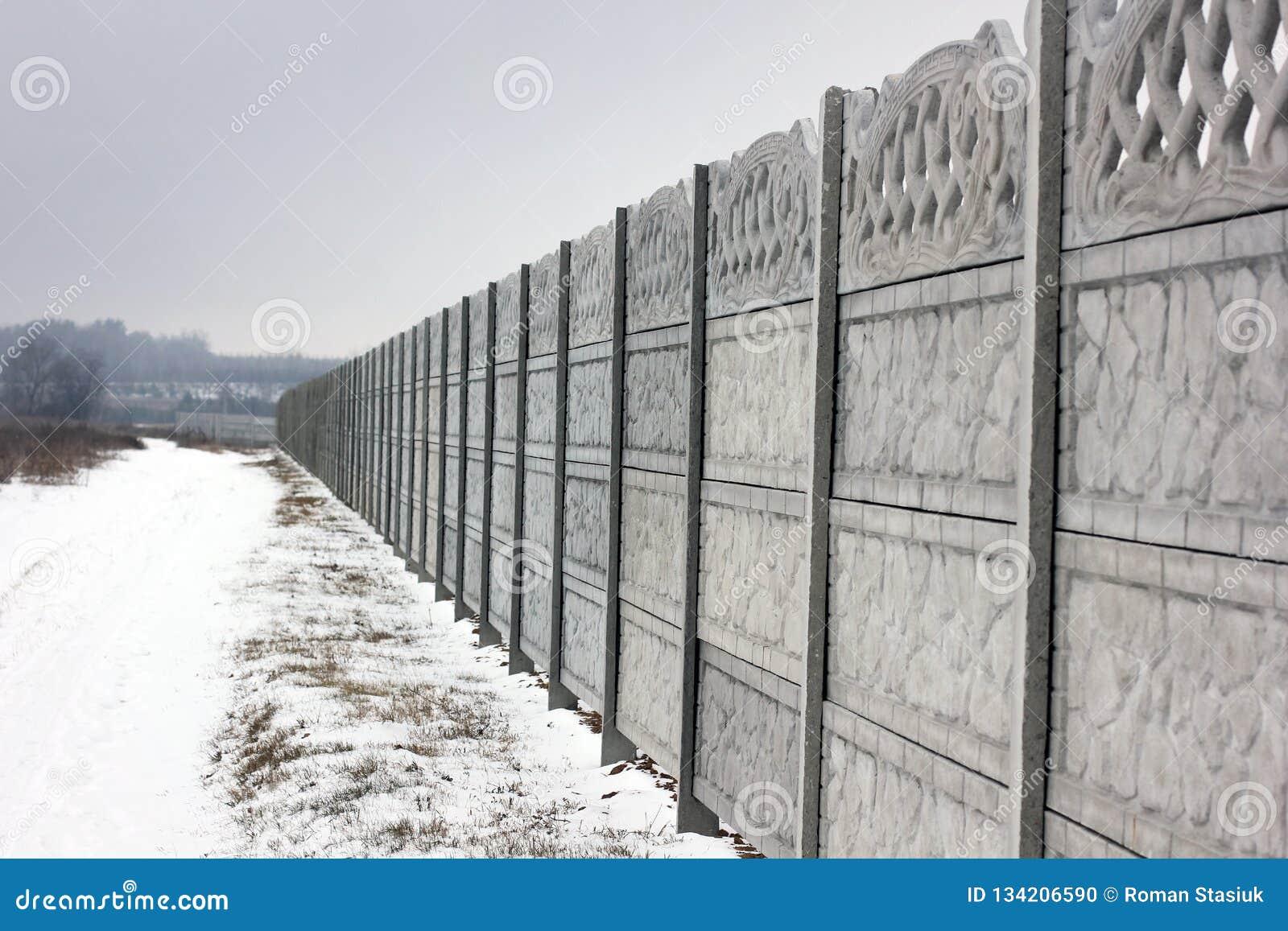Konkret staket Vinter