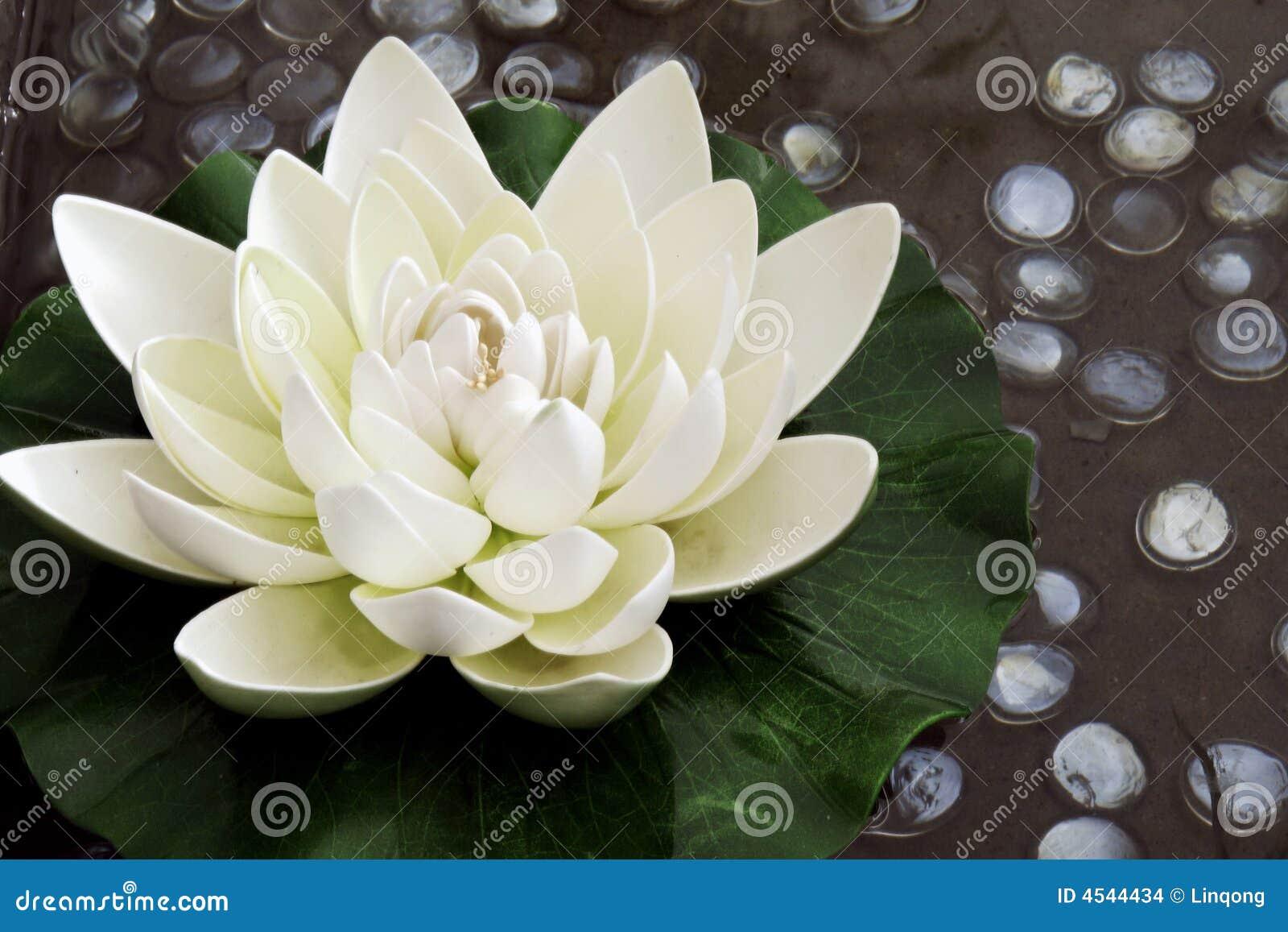 Konstgjord blommalotusblomma