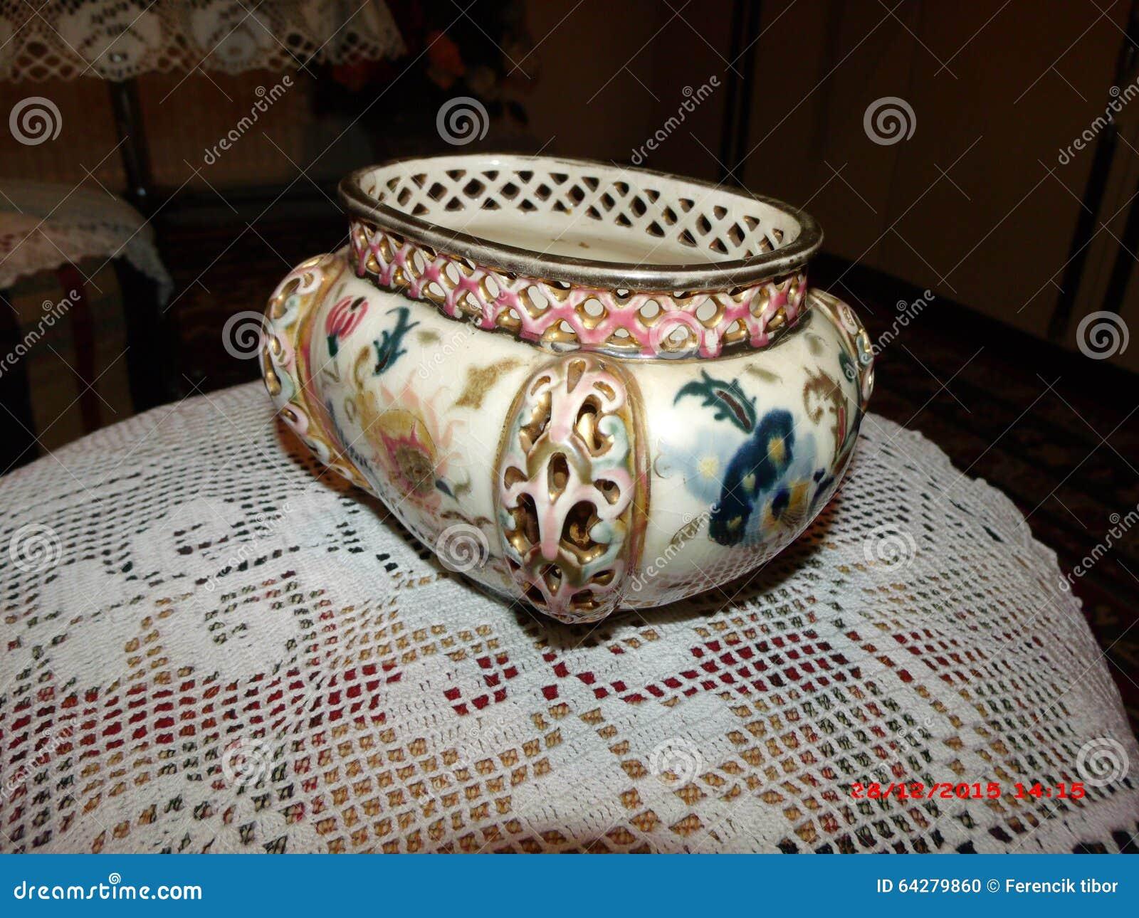 Konstnärliga minnen för prestationantikvitet av härliga dagar drar tillbaka ceramicsfamily
