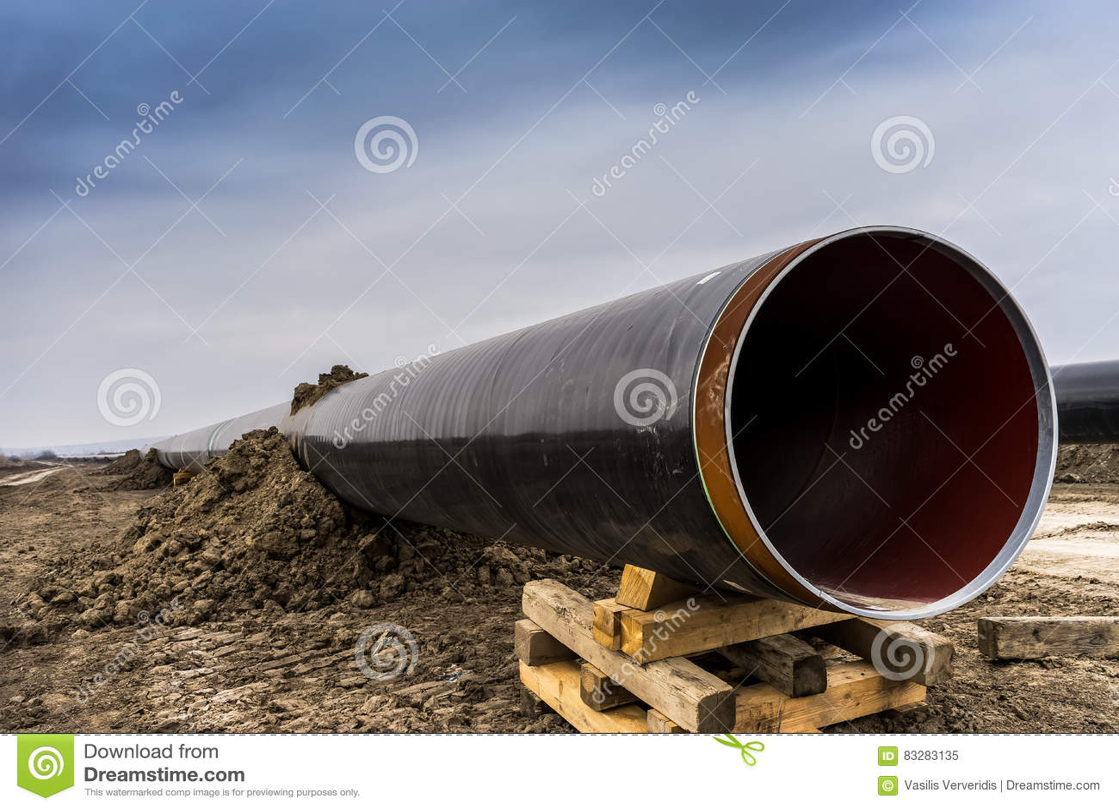 Konstruktion av rörledningen för gasledningtrans. Adriatiska havet - KNACKA LÄTT PÅ i inget