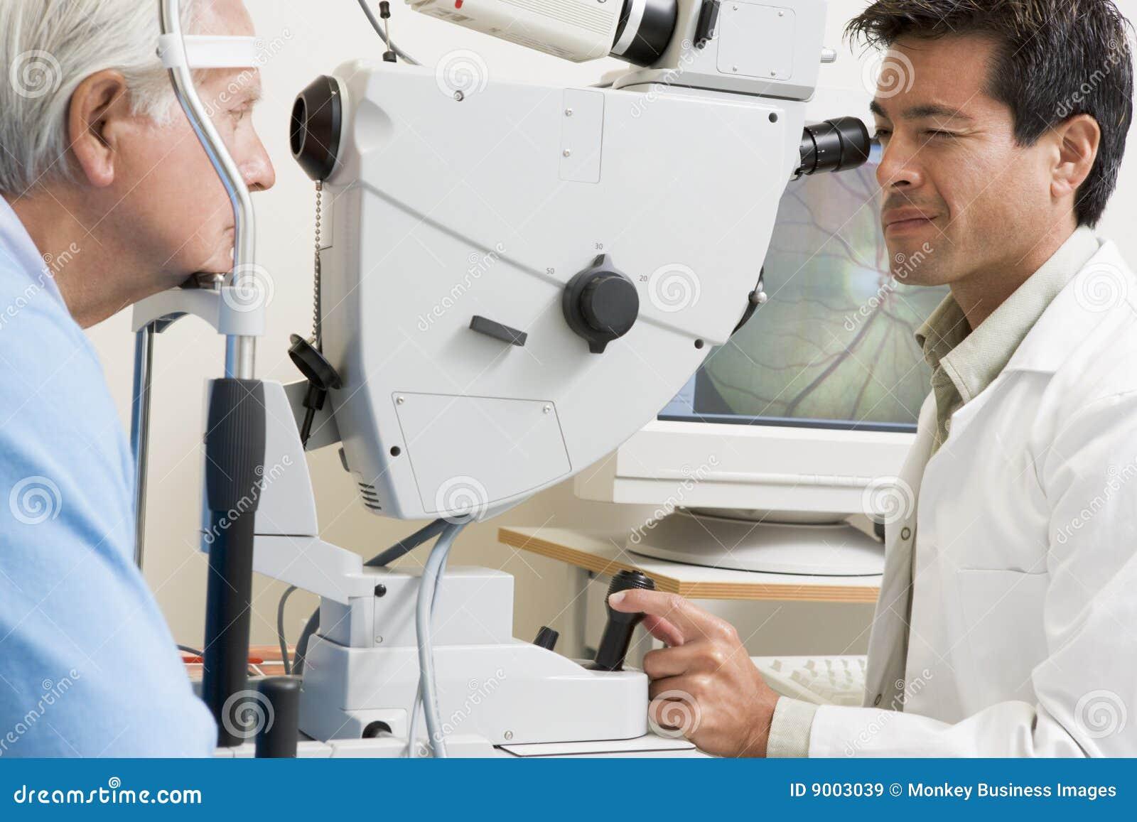Kontrollera doktorn eyes glaucomatålmodig s