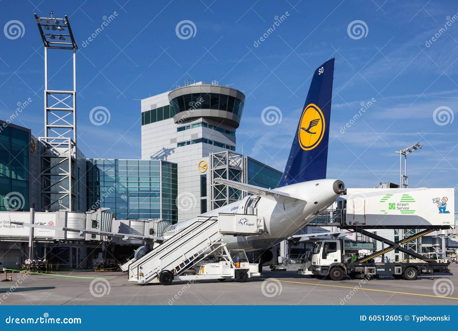 Kontrollturm Am Frankfurt Flughafen Redaktionelles Bild Bild Von