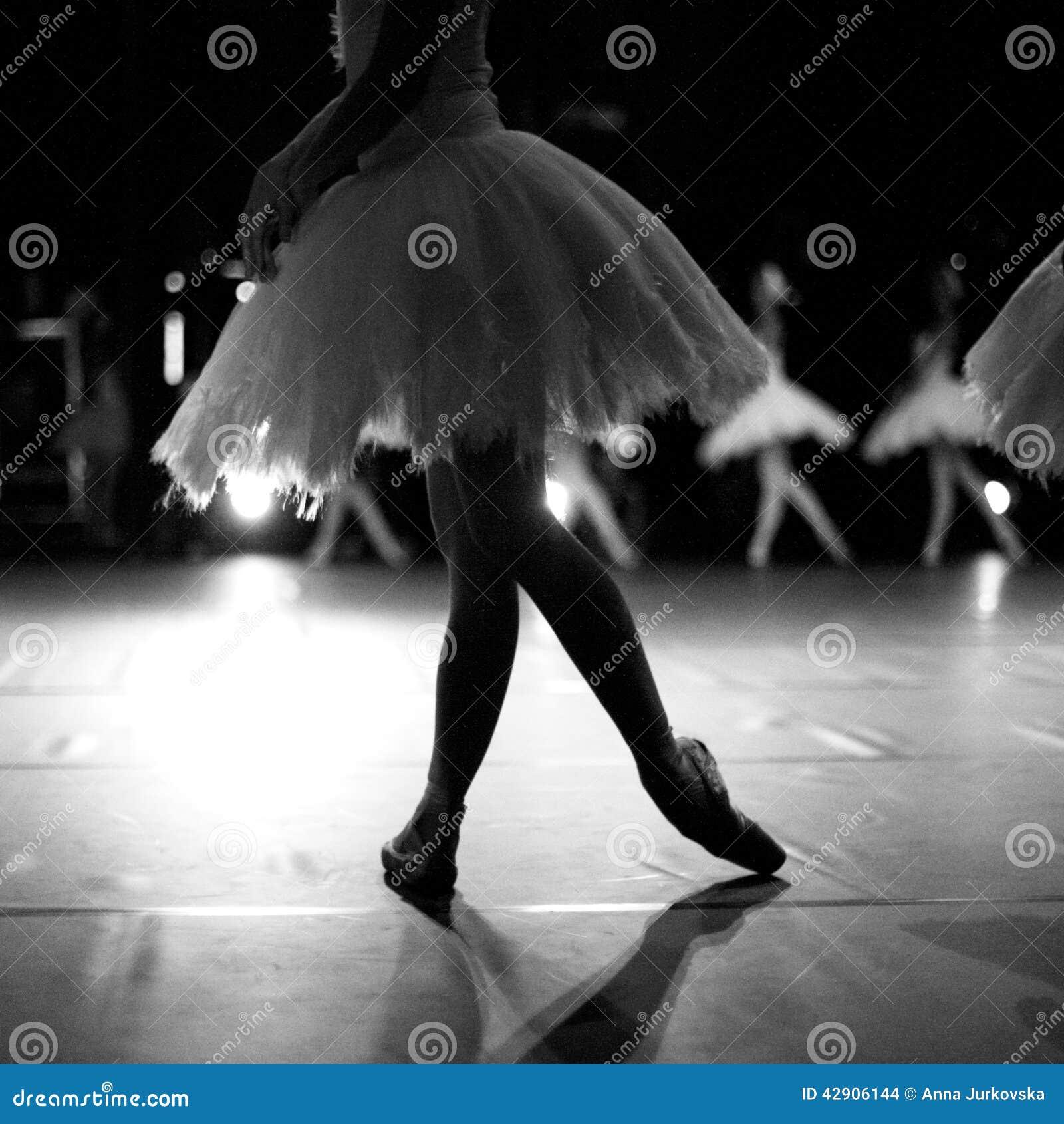 Kontur av ballerinadansen