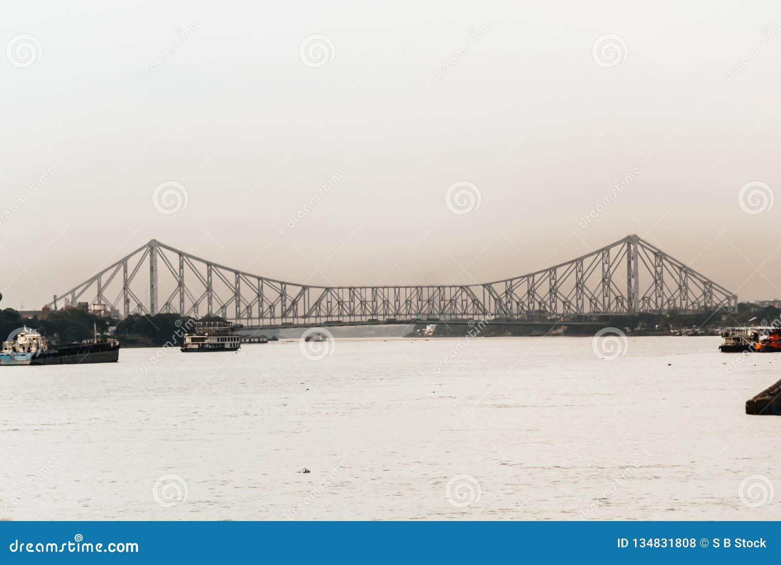 Kontur av den Howrah bron