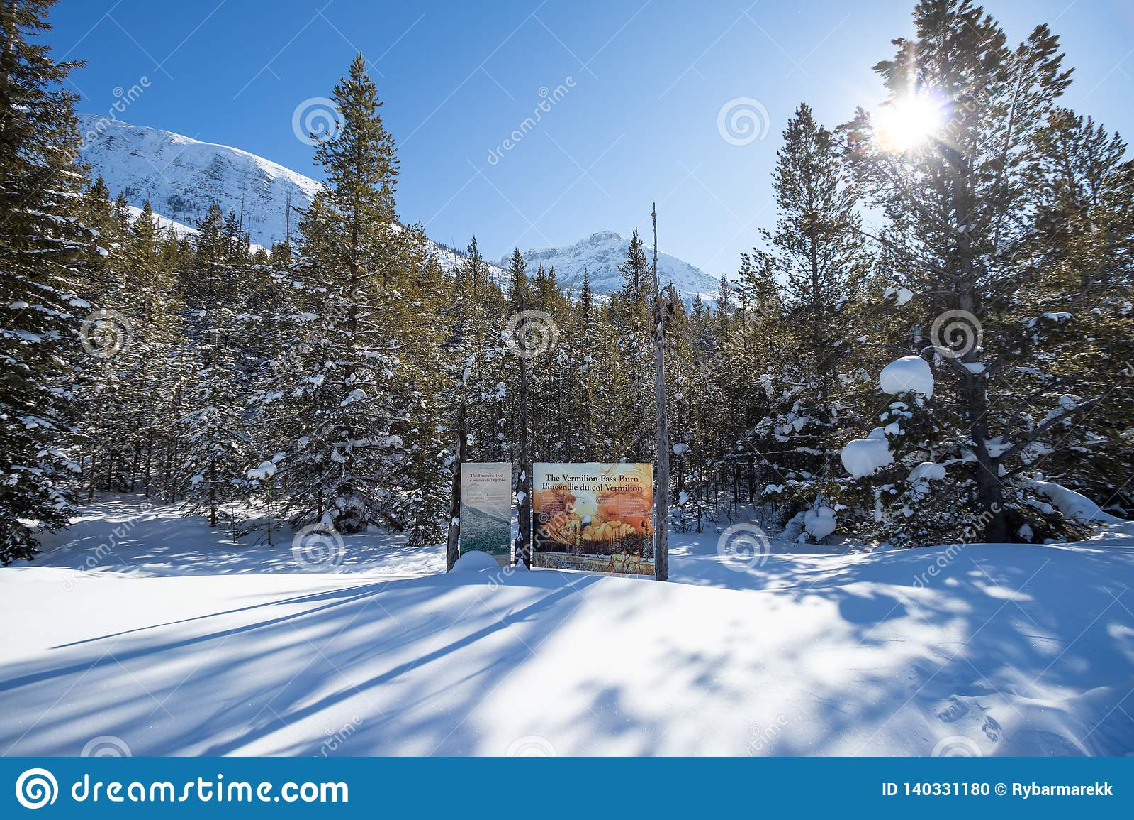 Kontynentalny podział na granicie Banff i Kootenay parki narodowi, Vermilion przepustka, Alberta, kolumbia brytyjska, Kanada