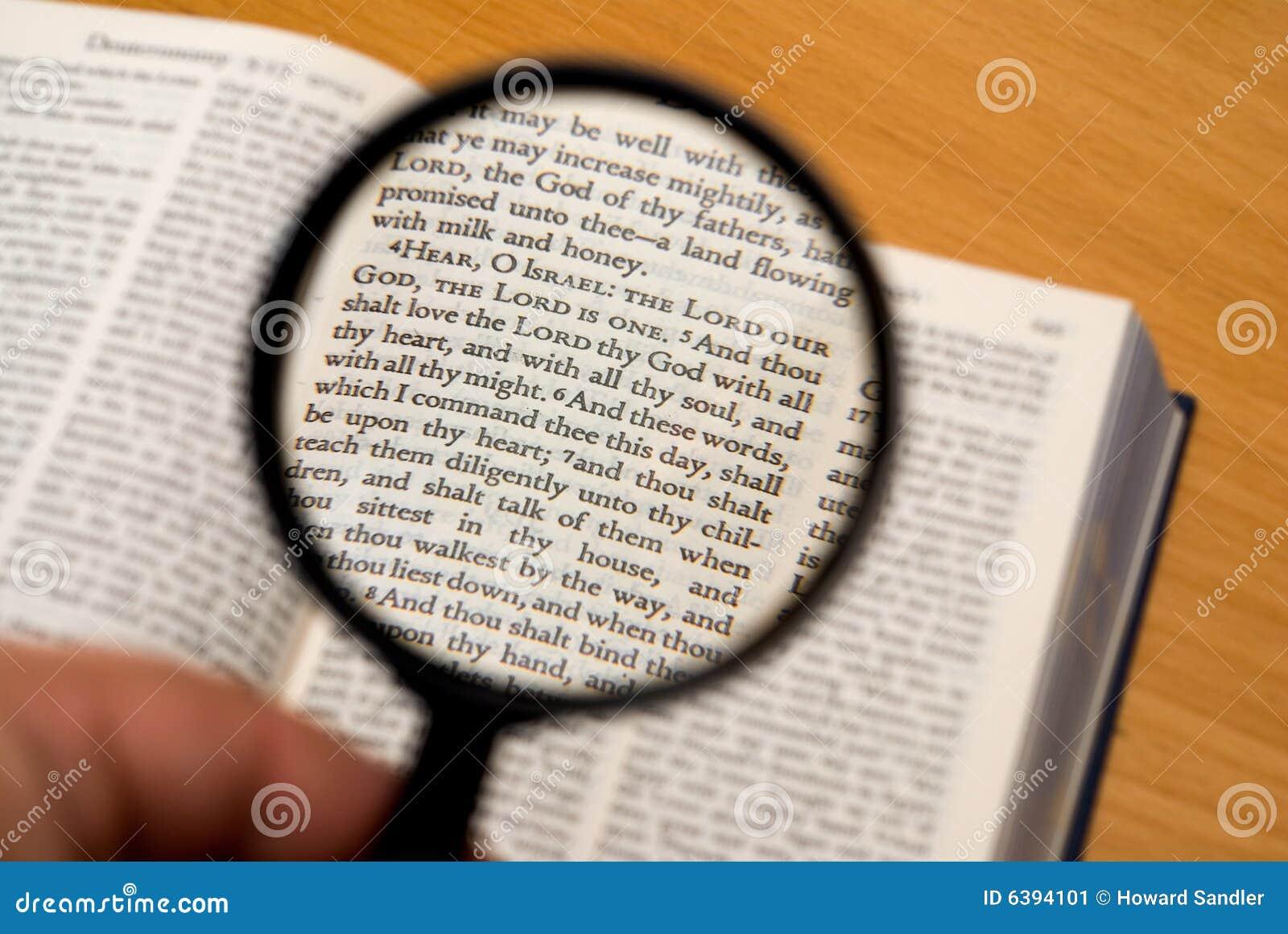 Konzentrieren auf Bibel
