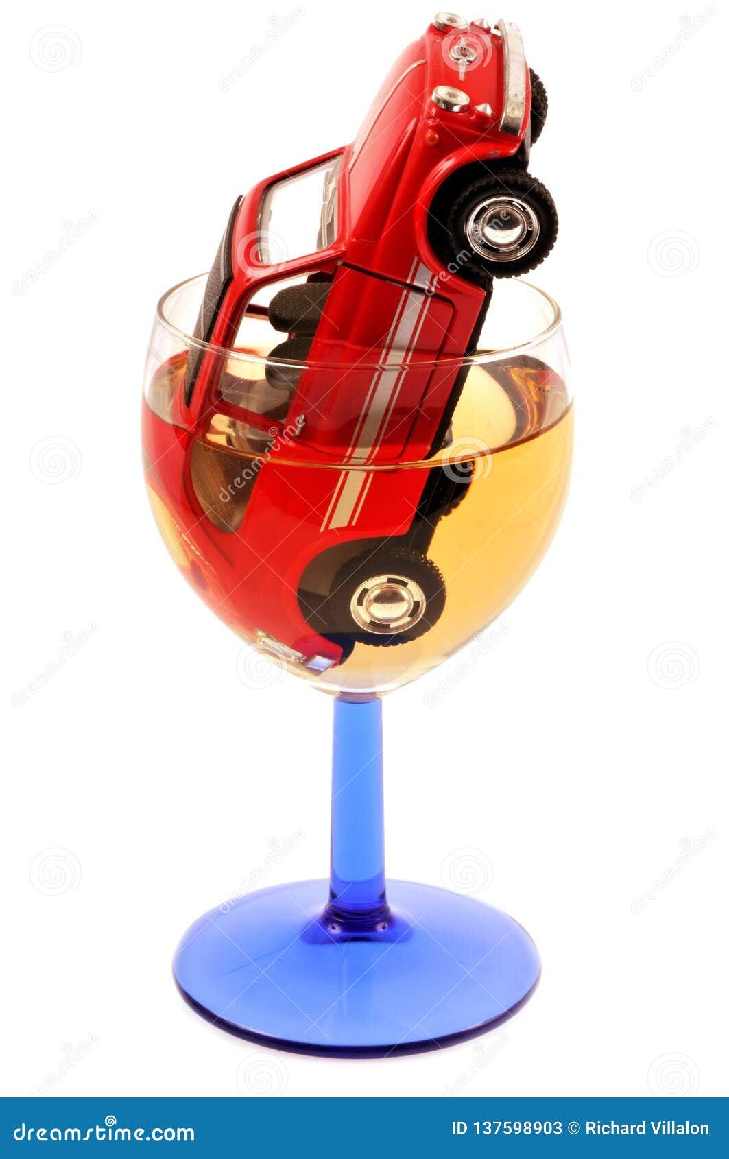 Konzept des Trinkens und des Fahrens