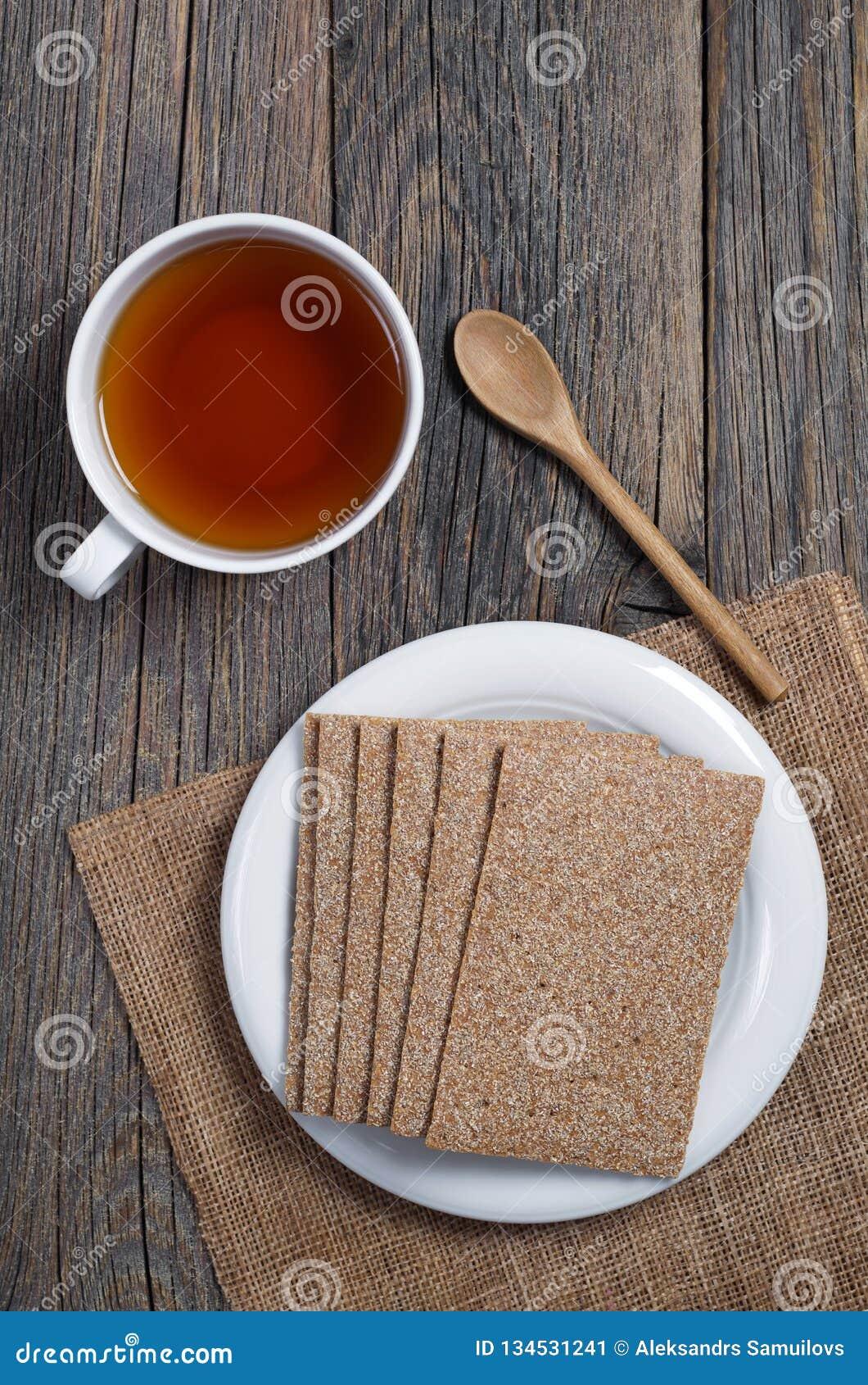 Kop thee en kernachtig brood