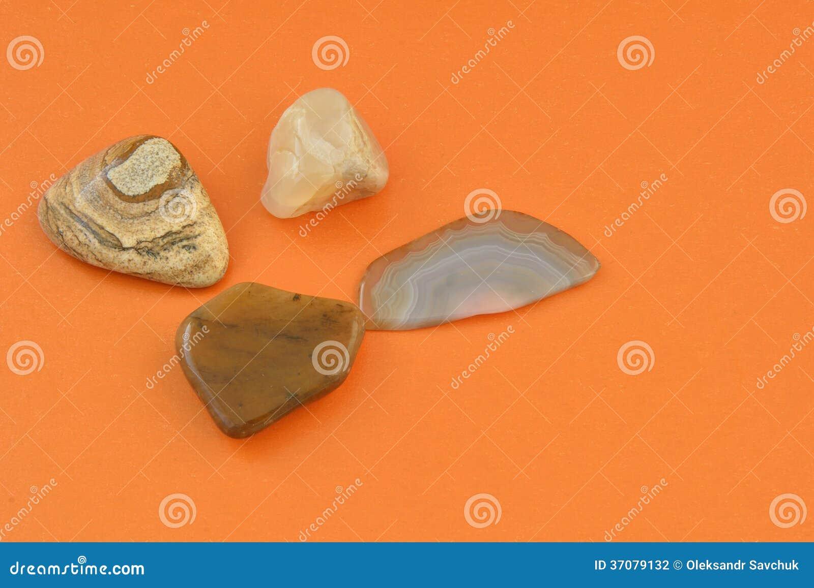 Download Kopaliny ziemia zdjęcie stock. Obraz złożonej z tło, górnicy - 37079132