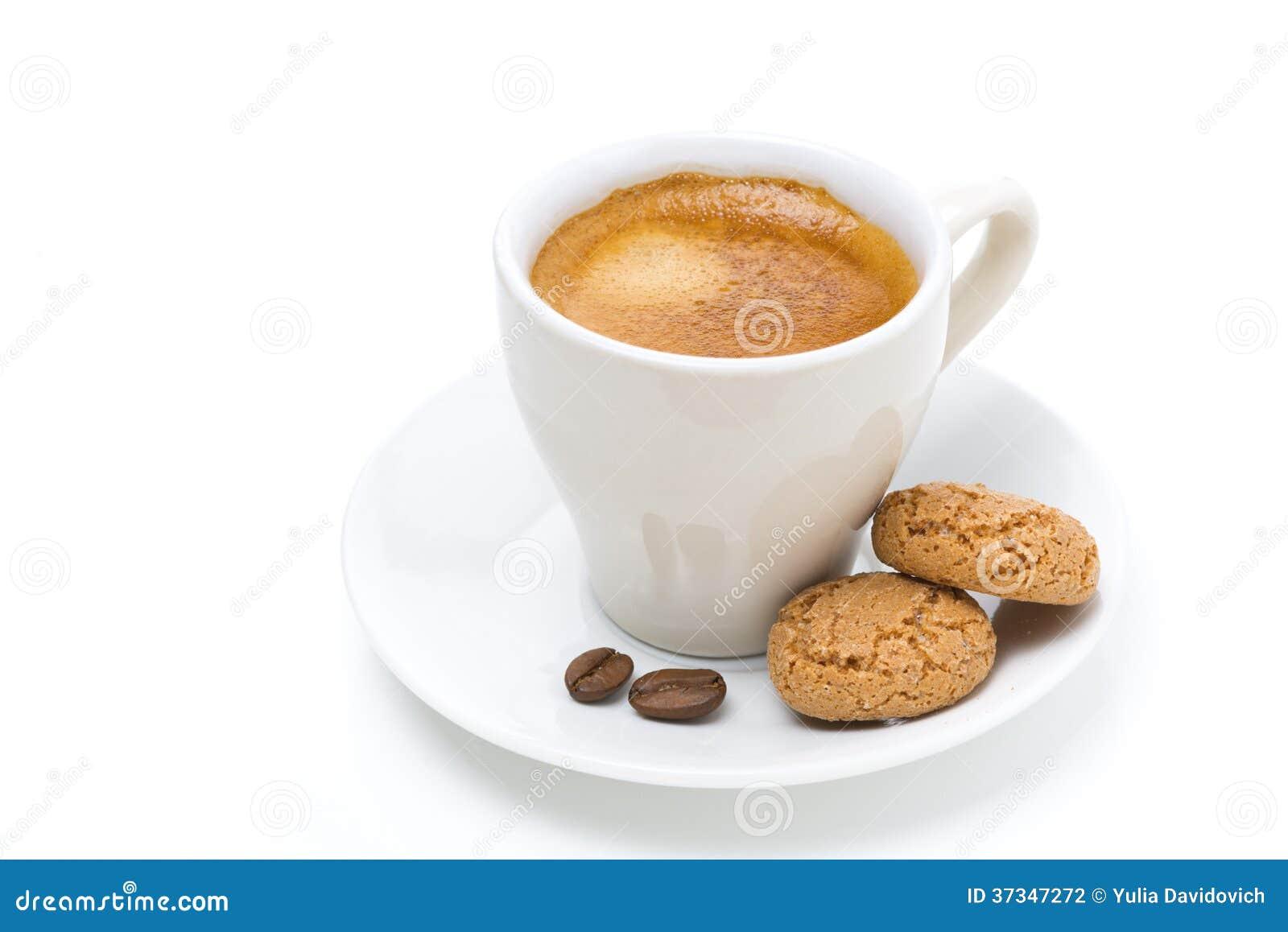 Kopp kaffe och biscotti som isoleras
