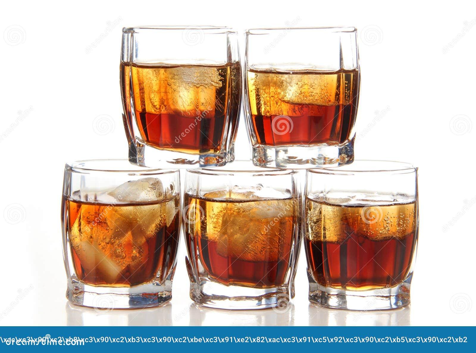Koppar av whisky