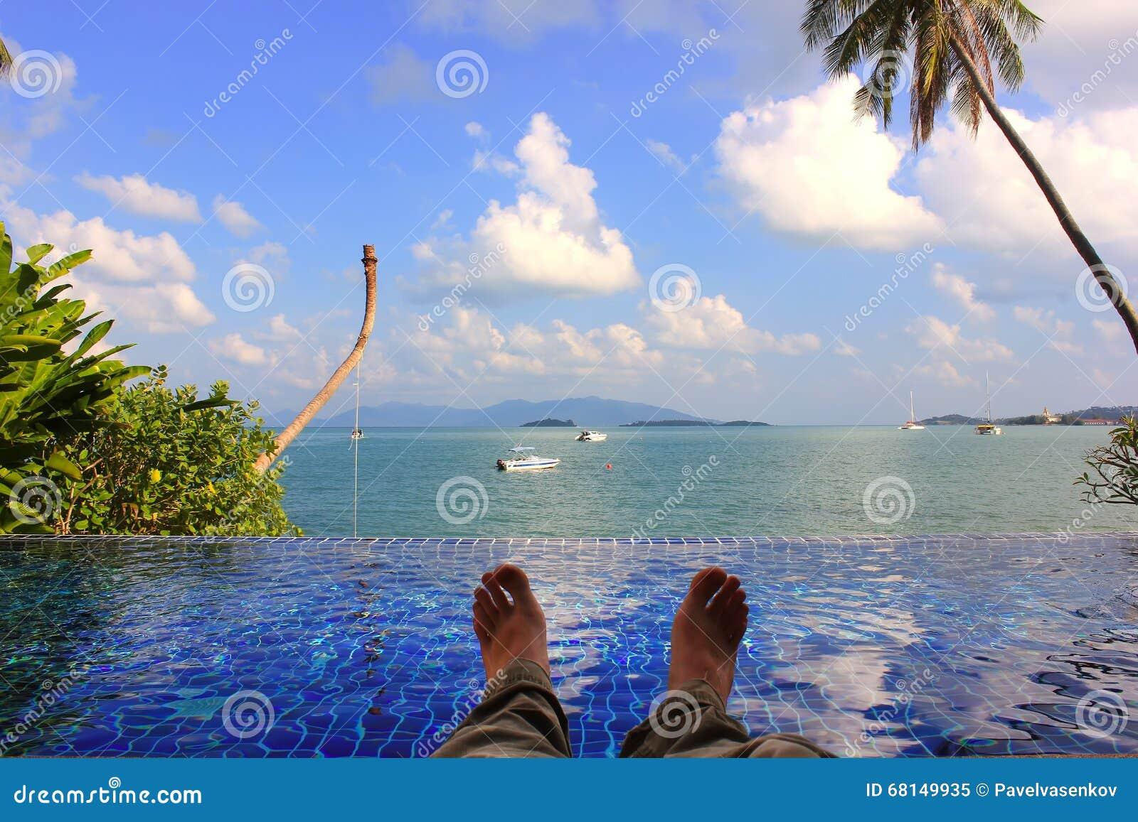 Koppla av på stranden i Thailand, Asien