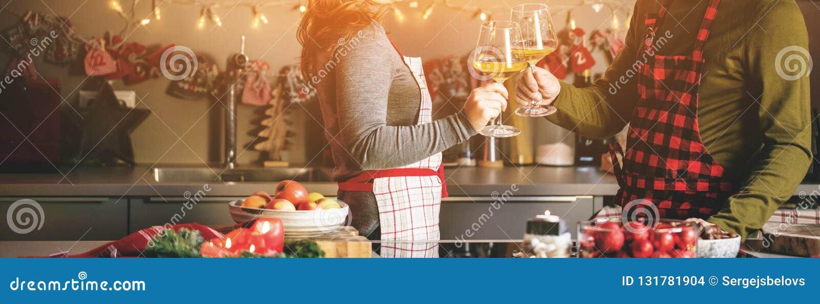 Koppla ihop att fira jul i kök- och drinkvinet