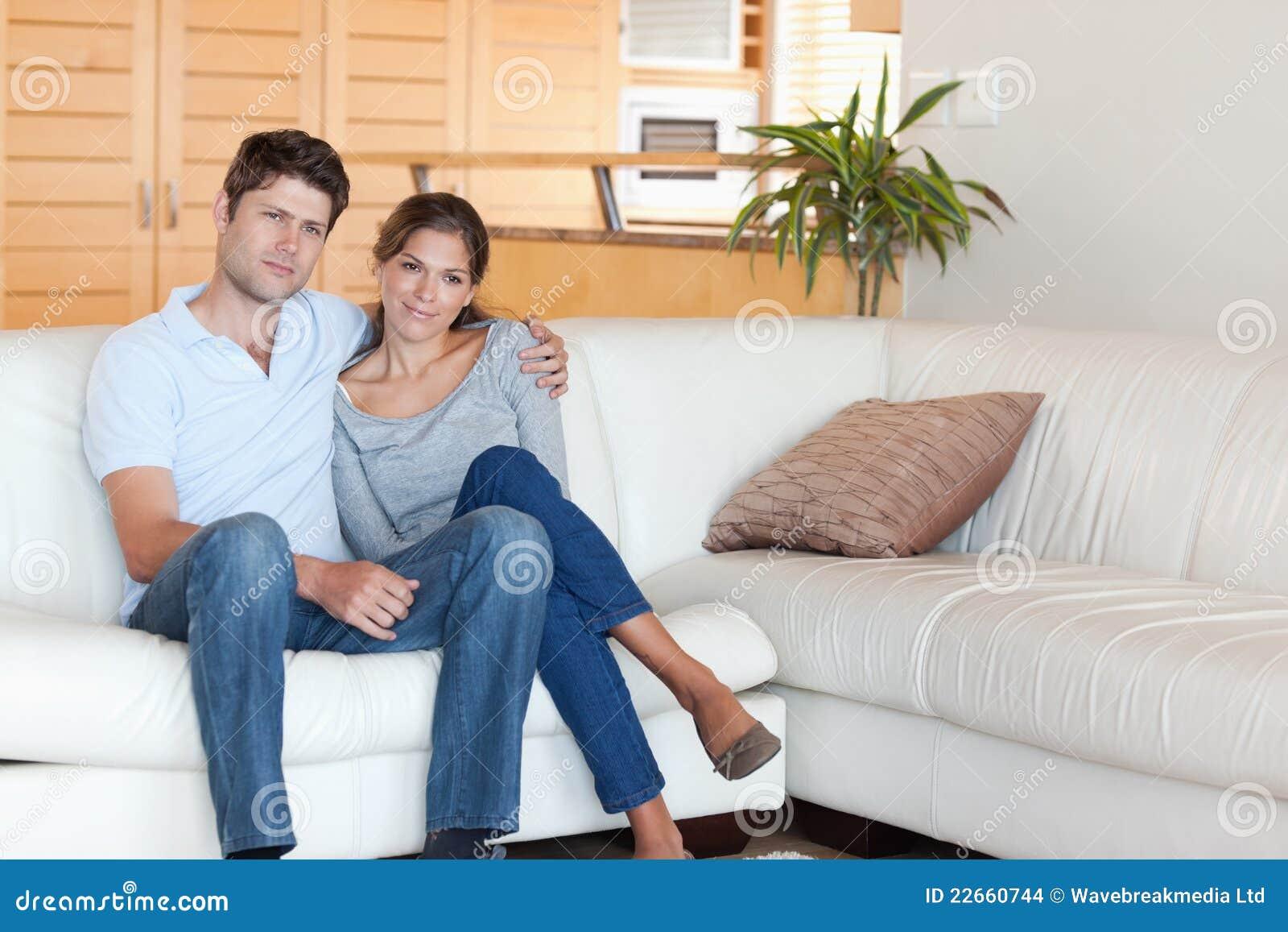 Koppla ihop sammanträde på en soffa