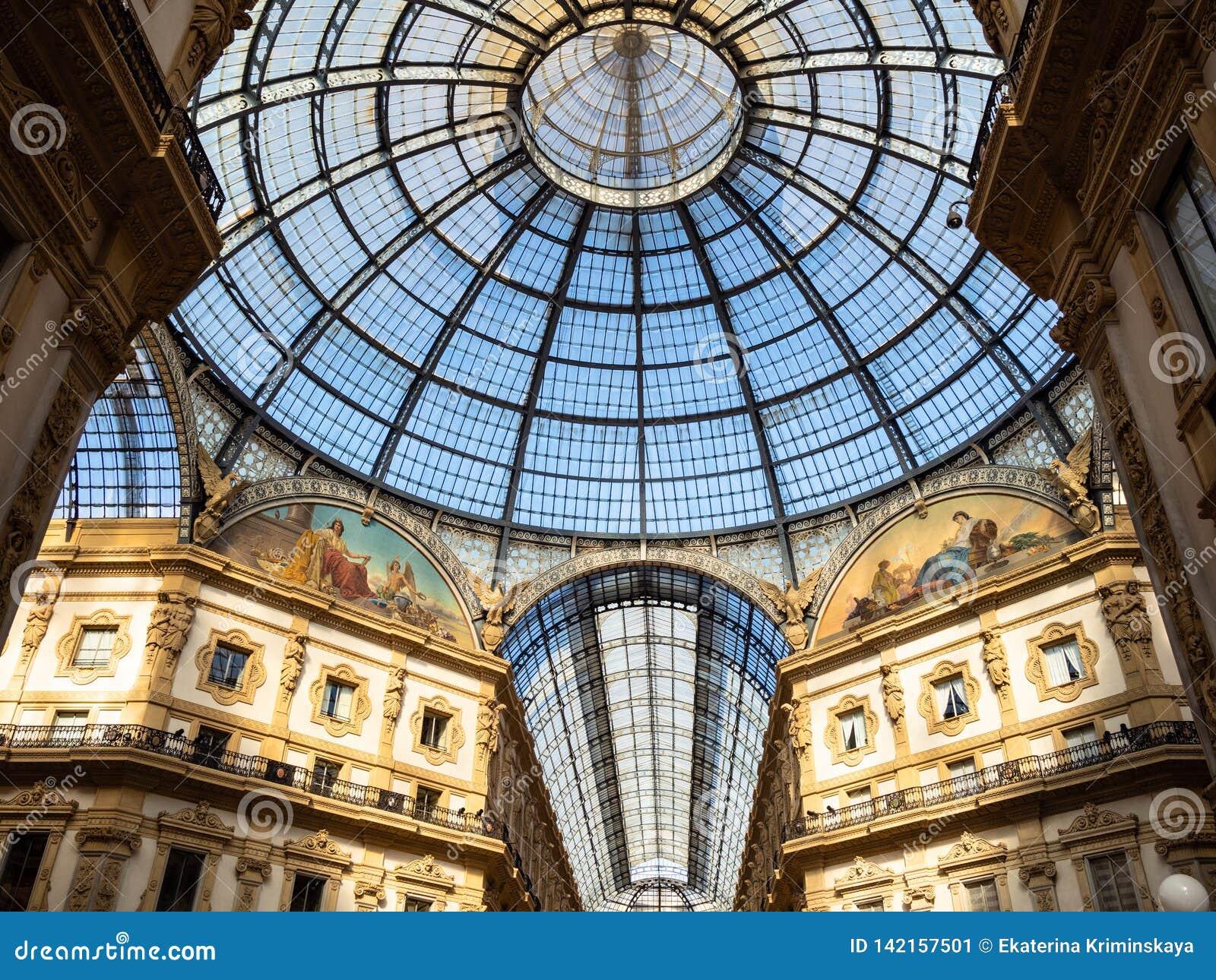 Kopuła Galleria Vittorio Emanuele II w Mediolan