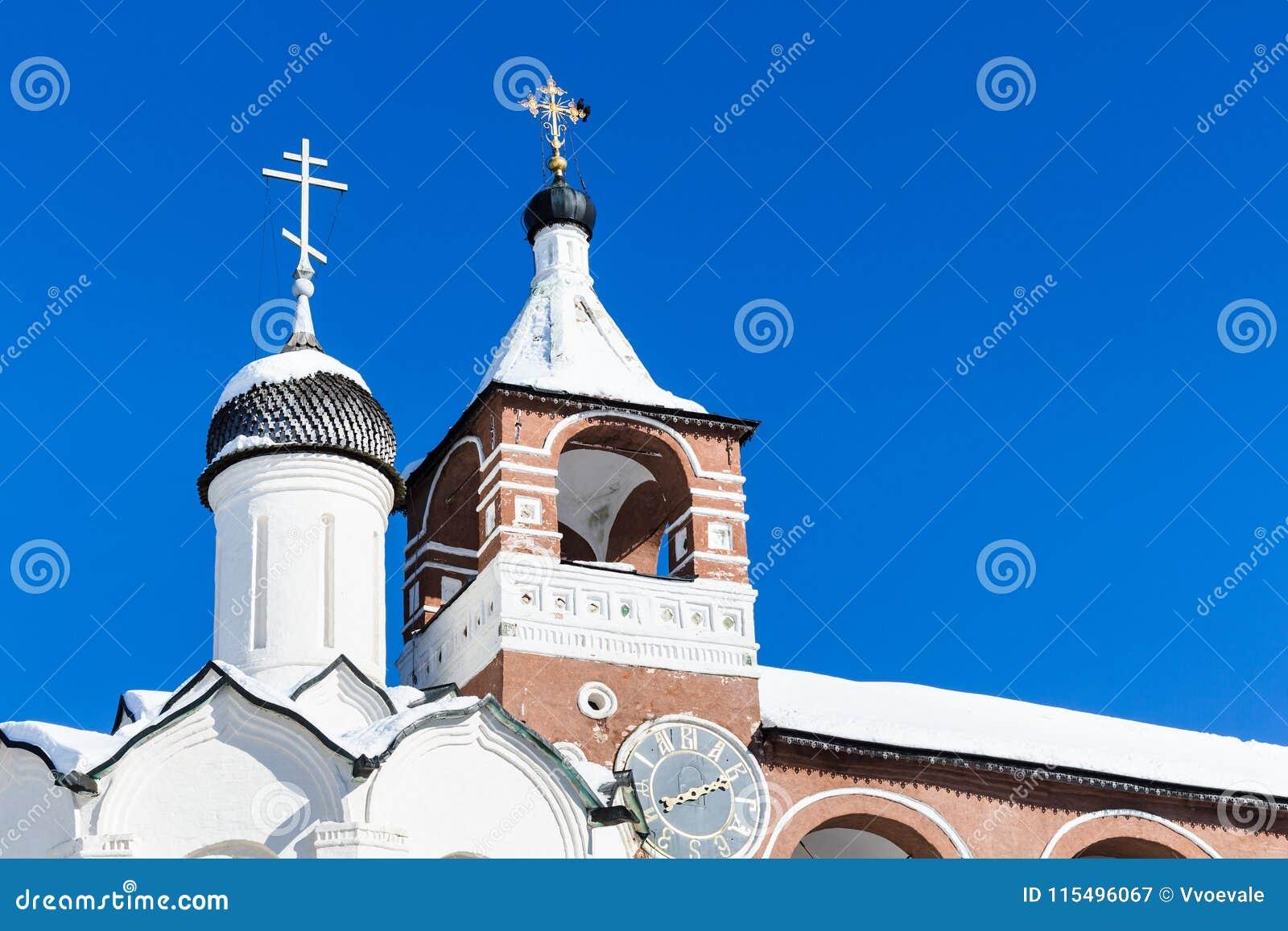 Kopuła brama kościół dzwonkowy wierza w Suzdal i