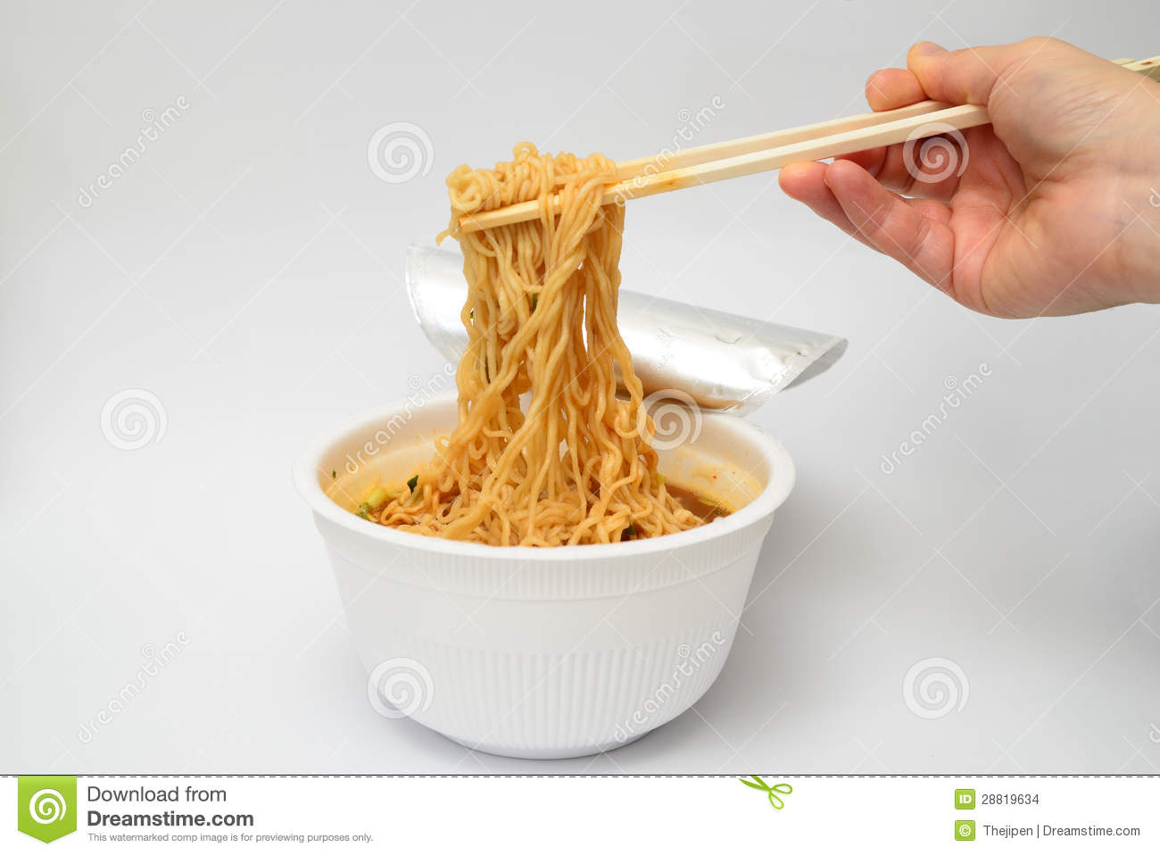how to use chopsticks to eat noodles