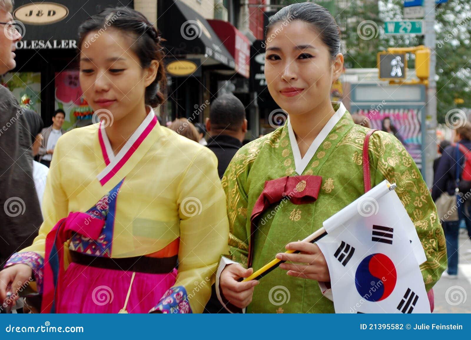 Koreanska traditionella kvinnor för amerikansk dräkt