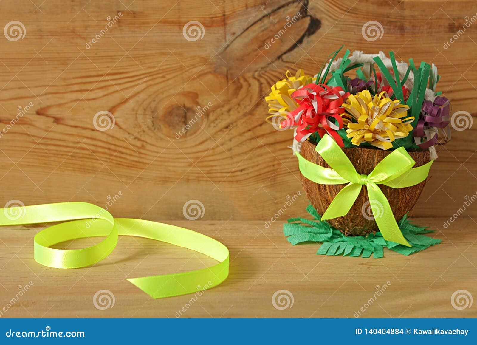 Korg med pappers- blommor, vår DIY