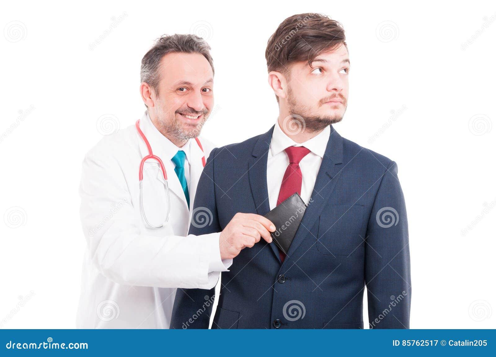 Korrumperad läkare som tar affärsmanplånboken
