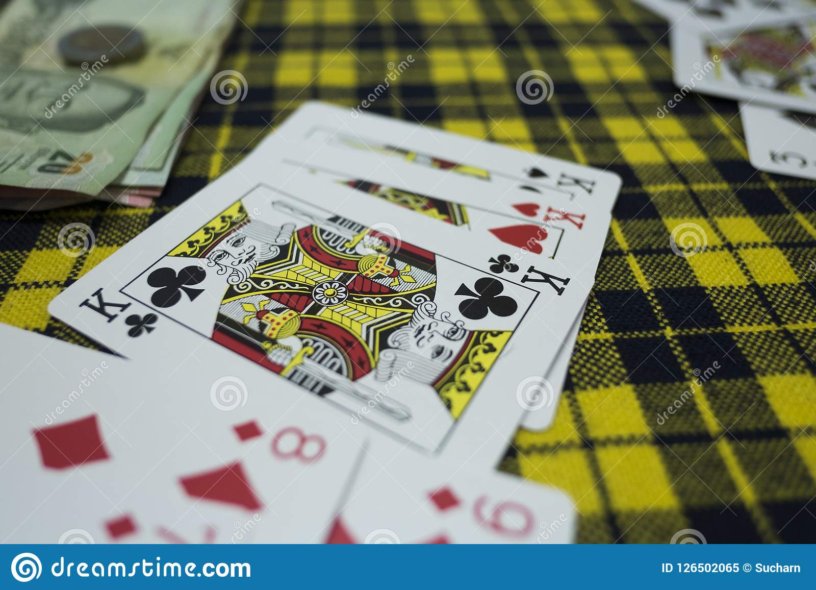 Kort KKK på tabellen i kasino Spela rummyleken