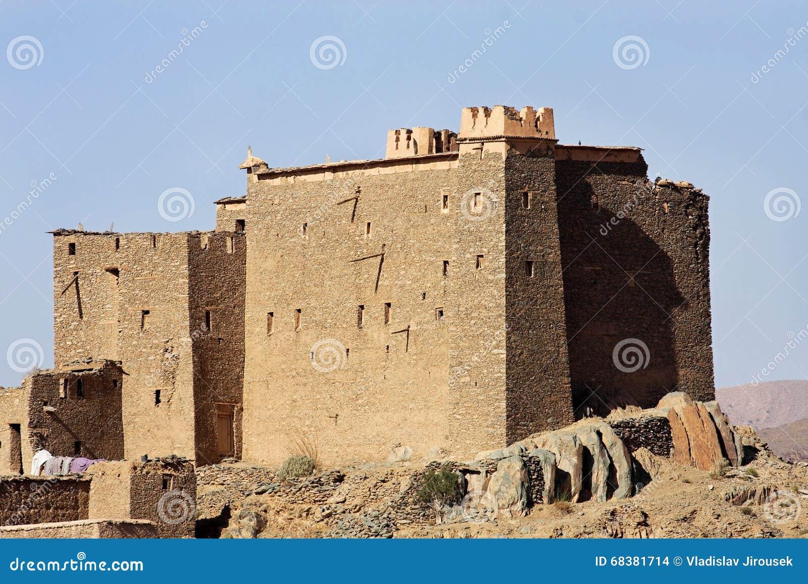 Korygujący casbah blisko El Mhamid, Maroko