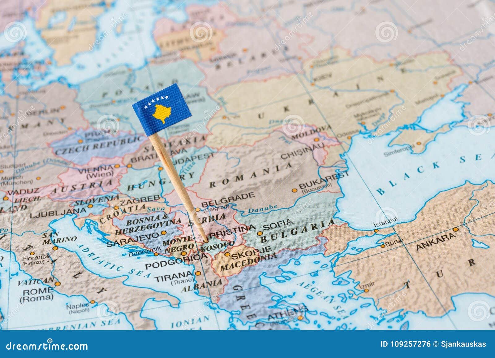 Kosowo Mapa I Flaga Szpilka Zdjecie Stock Obraz Zlozonej Z