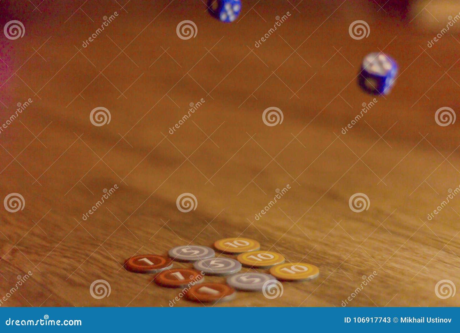 Kostka do gry i układ scalony gra planszowa