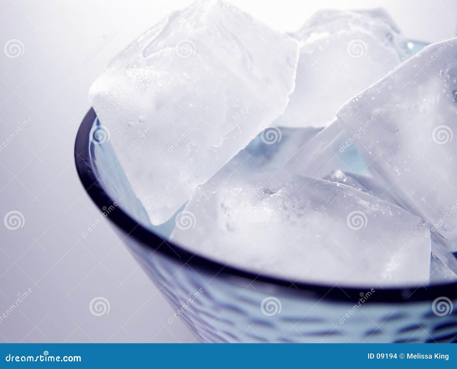 Kostki lodu szkła