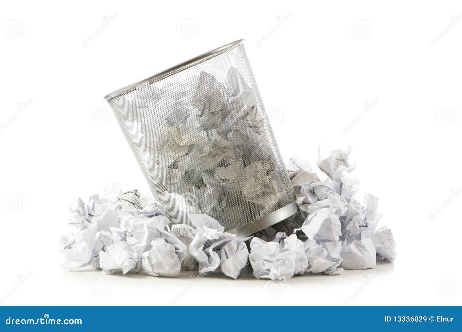 Kosza śmieci odizolowywający papieru odpady