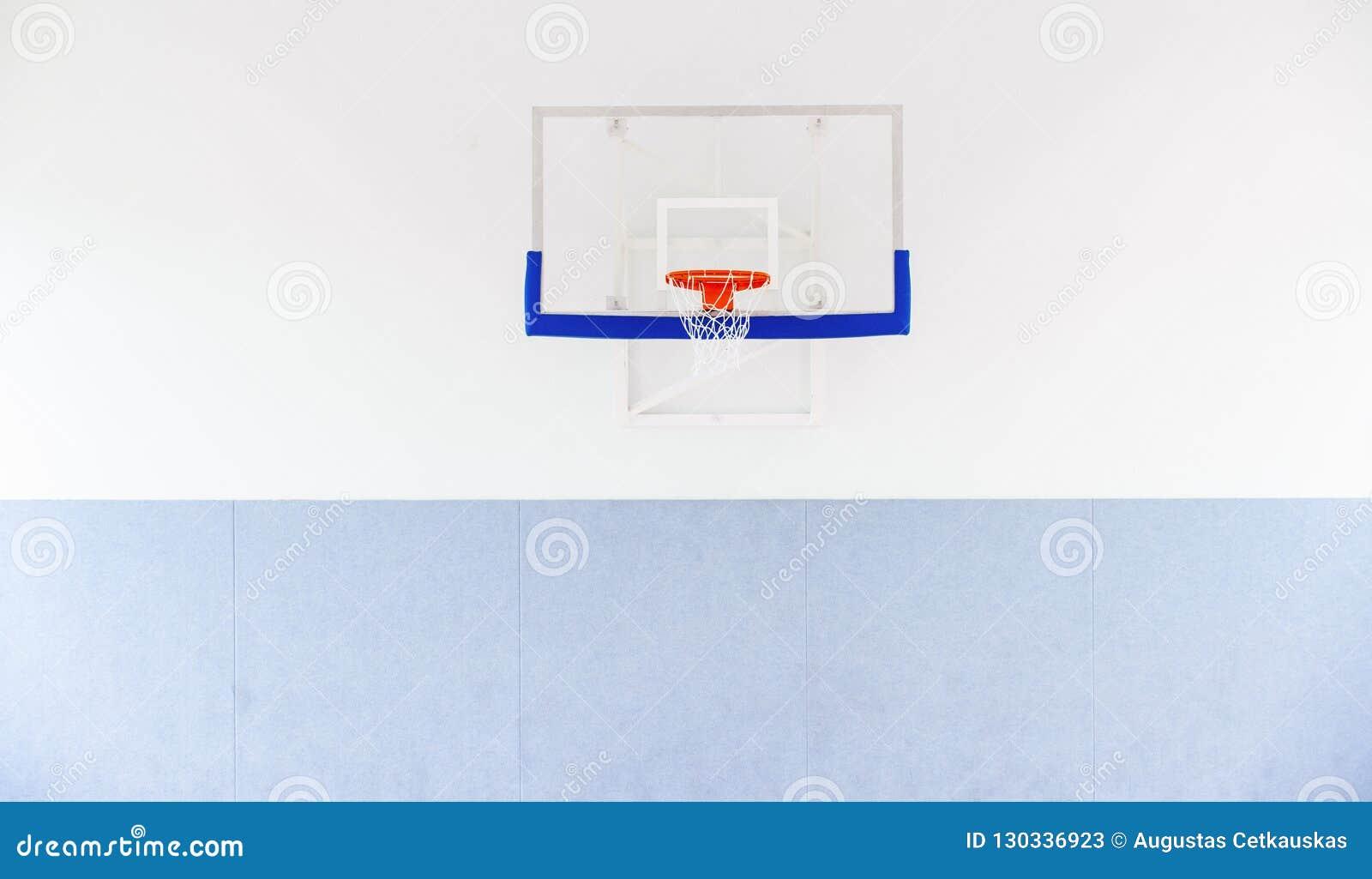 Koszykówka obręcza klatka, odosobniony wielki backboard zbliżenie, nowy outd