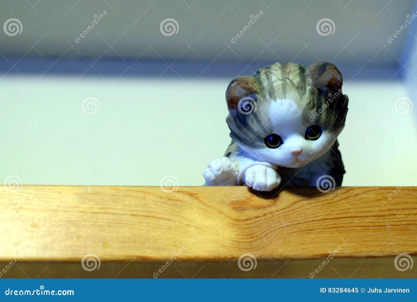 Kot ceramiczny