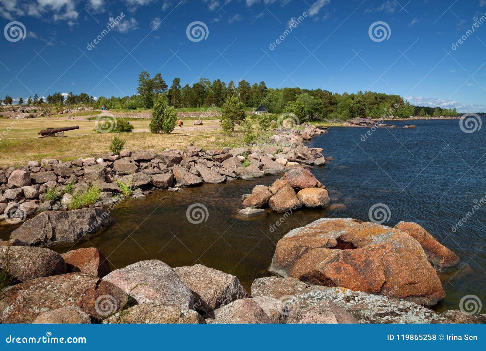 Kotka, Finlandia - Katariina Seaside Park, o Golfo da Finlândia, mar Báltico