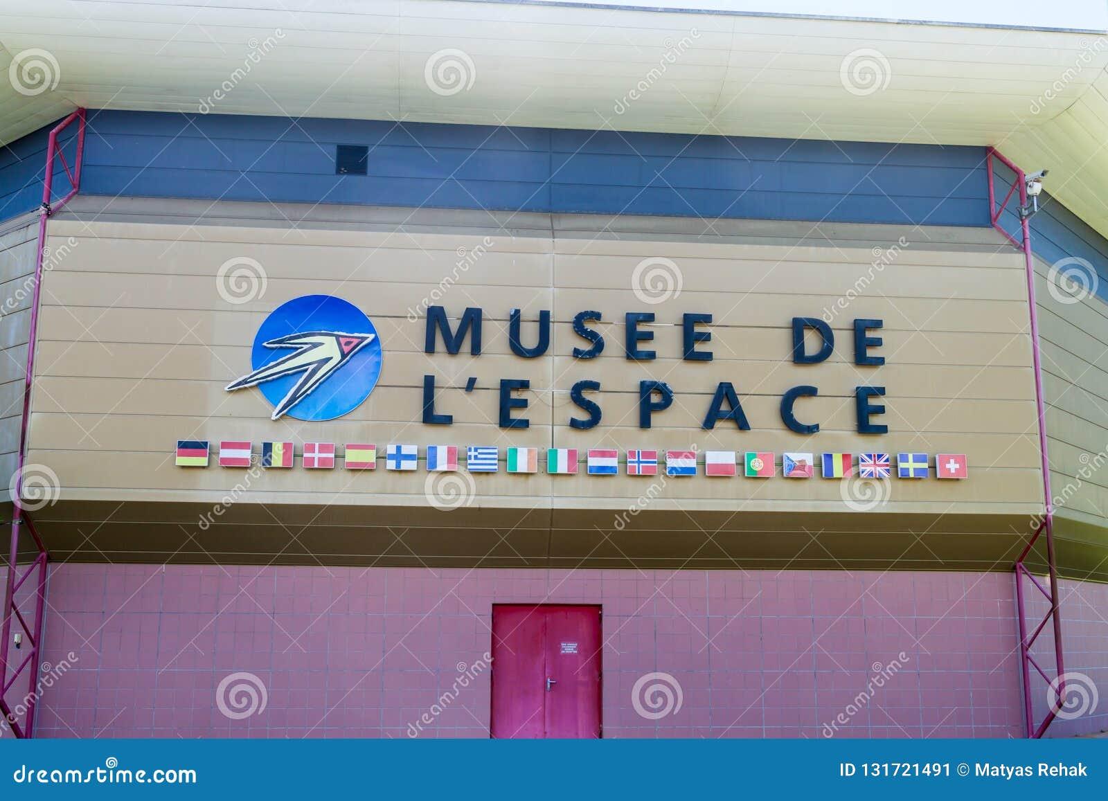 KOUROU, FRANZÖSISCH-GUAYANA - 4. AUGUST 2015: Museum des Raumes in Mitte der räumlichen Raum-Mitte Guyanais Guayana in Kourou, Fr