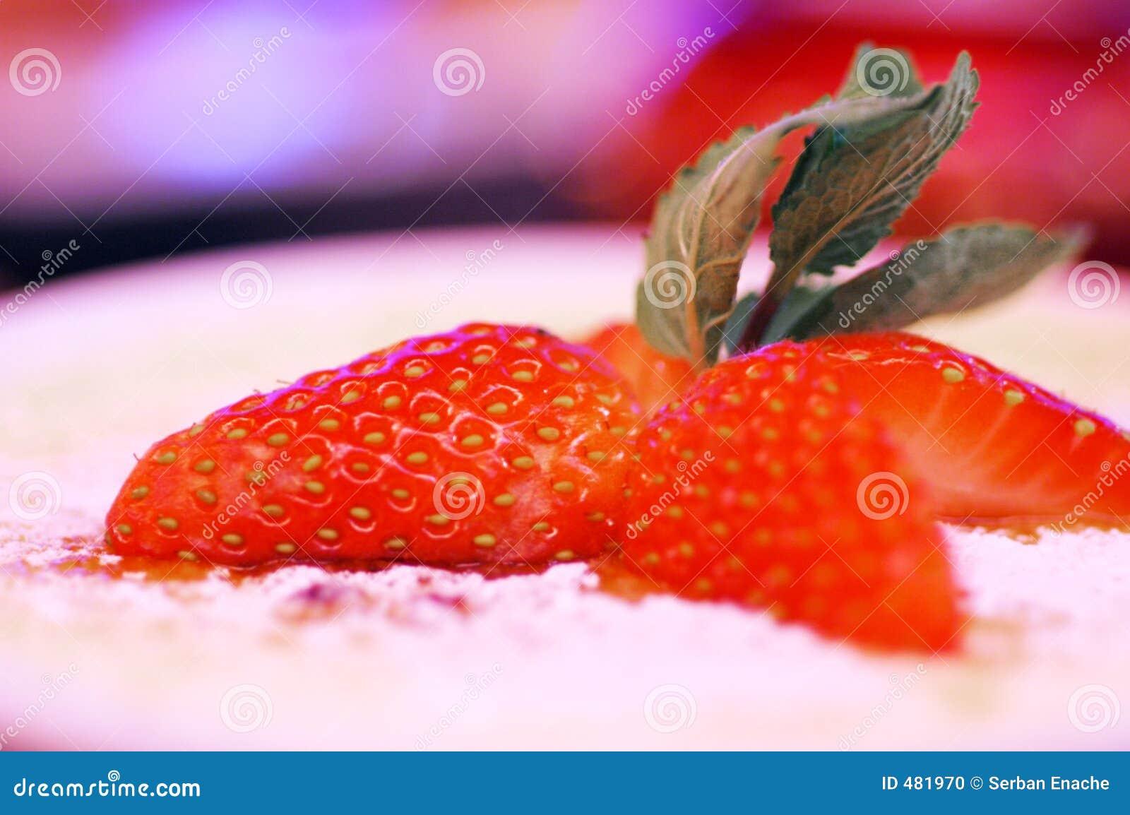 Kräm- jordgubbe