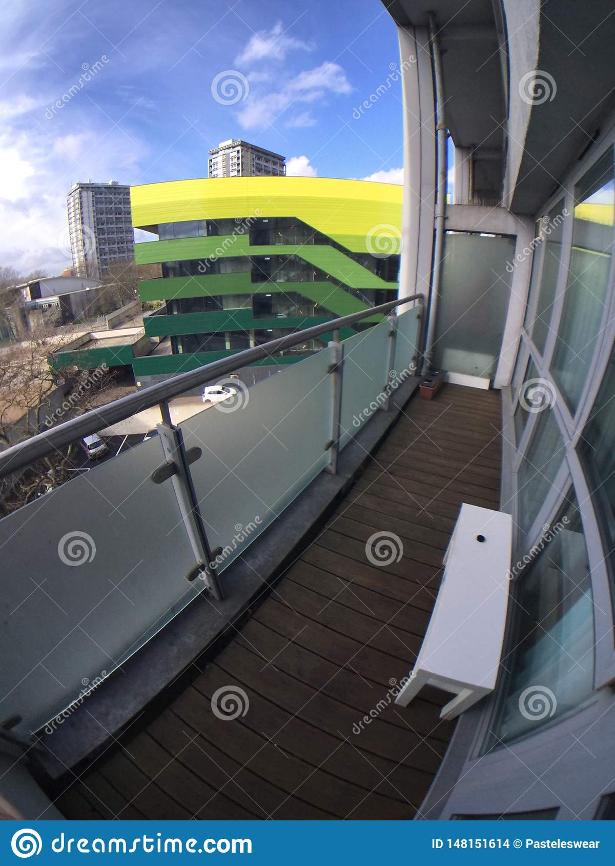 Królewscy dębu domu widoki od balkonu