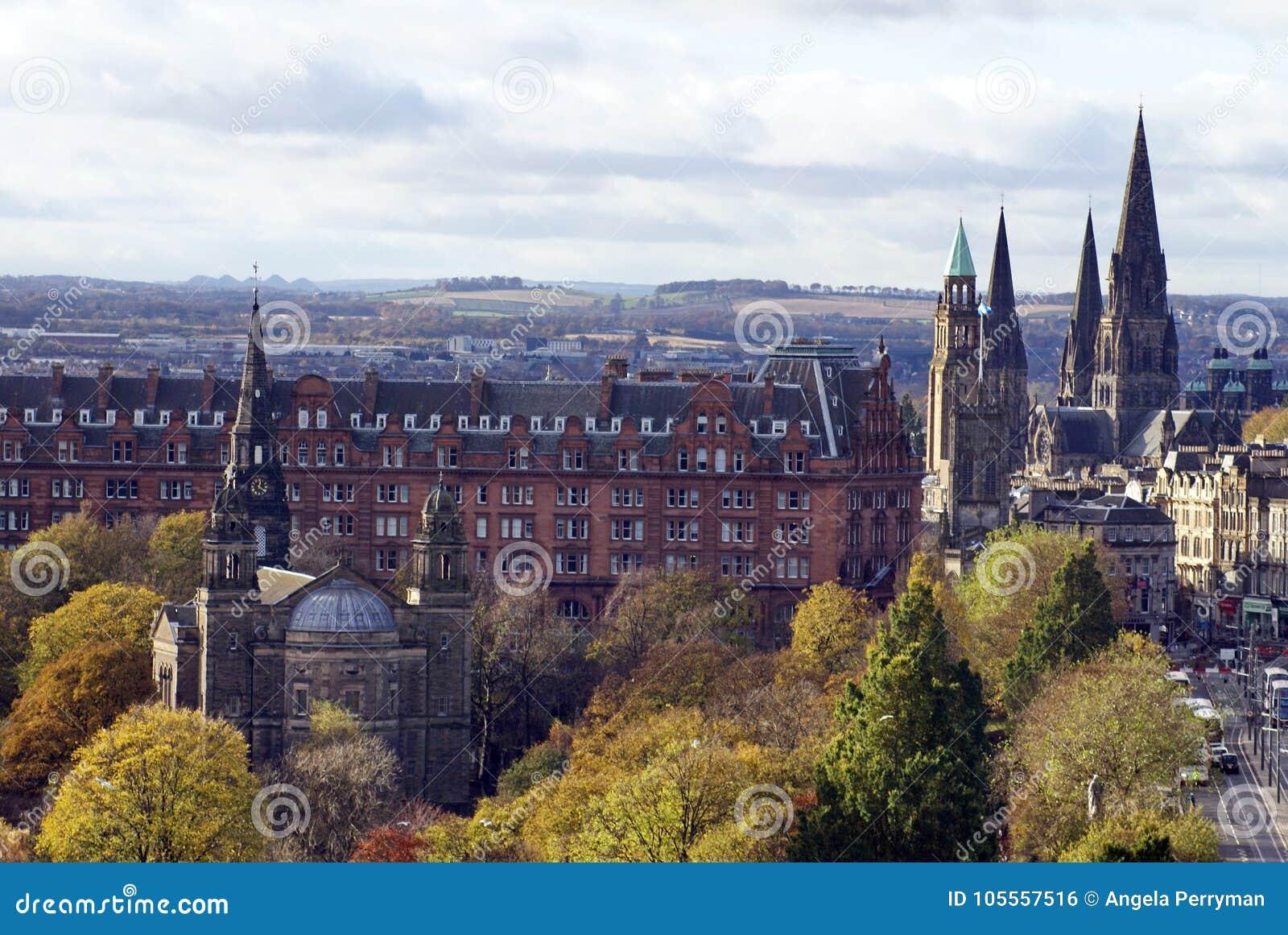 Królewski Milowy bieg obok książe ulicy parka, Edynburg, Szkocja