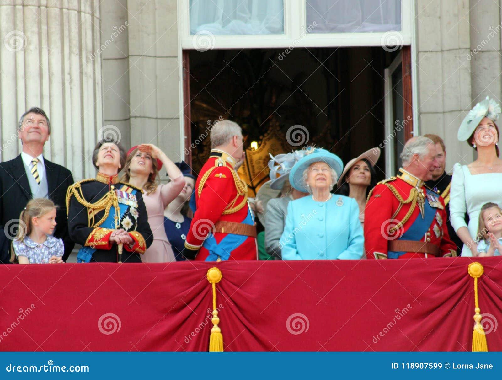 Królowa Elizabeth, Londyn, uk, 9th 2018 Czerwiec - Meghan Markle, książe Harry, książe George William, Charles, Kate Middleton &
