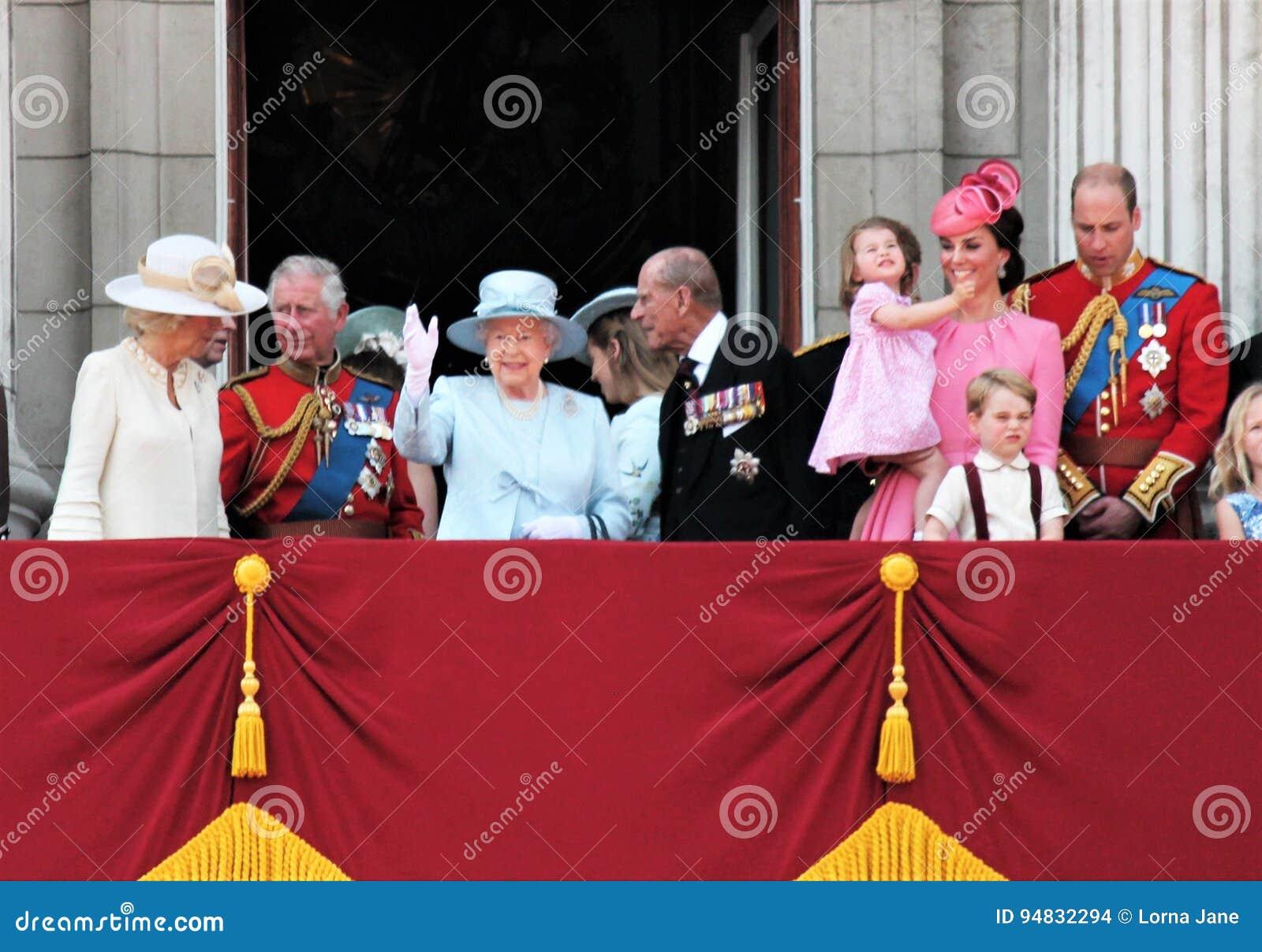 Królowa Elizabeth & rodzina królewska, buckingham palace, Londyński Czerwiec 2017 - Gromadzić się Colour książe George William, h