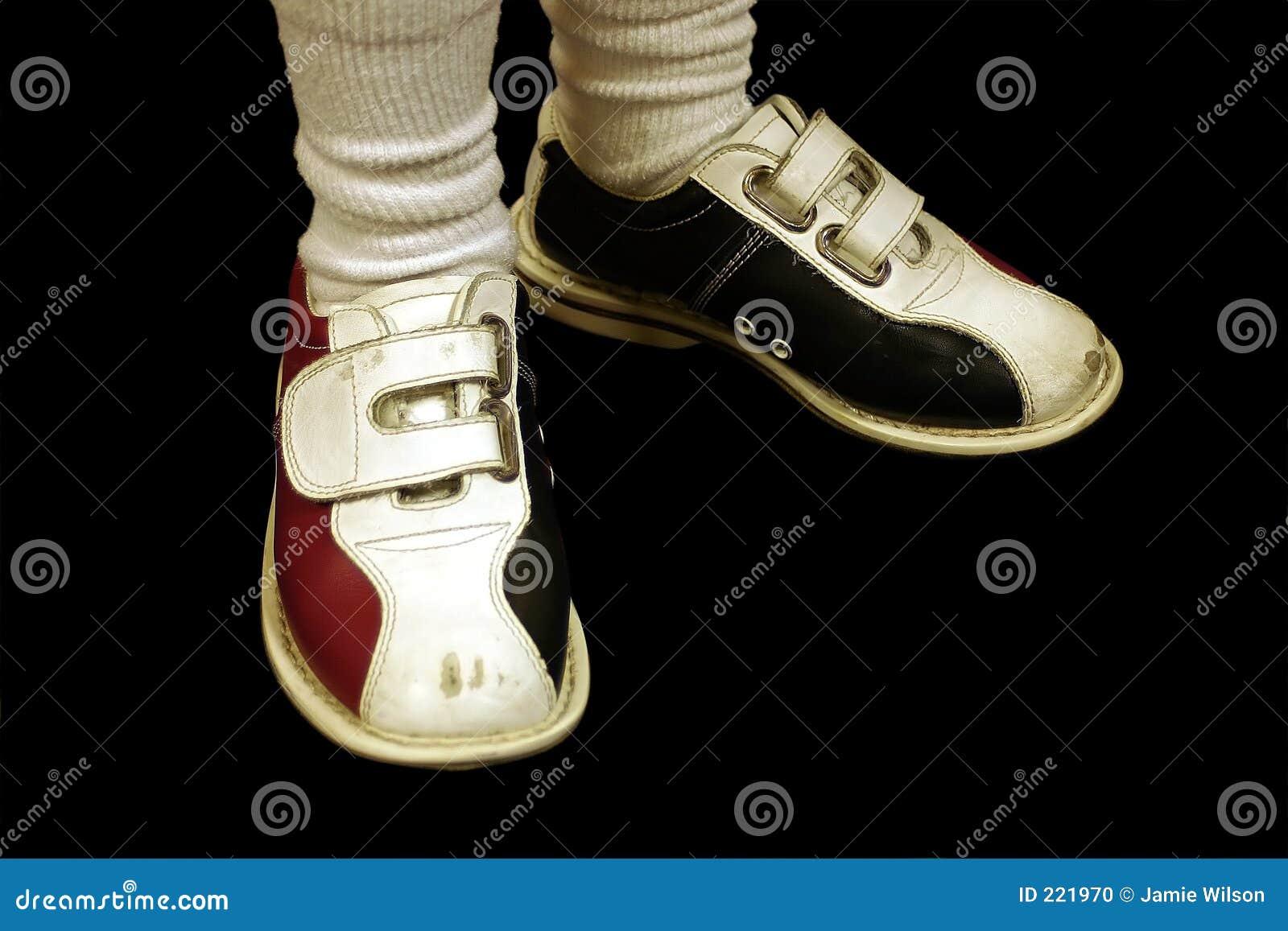 Kręgle odizolowanych buty