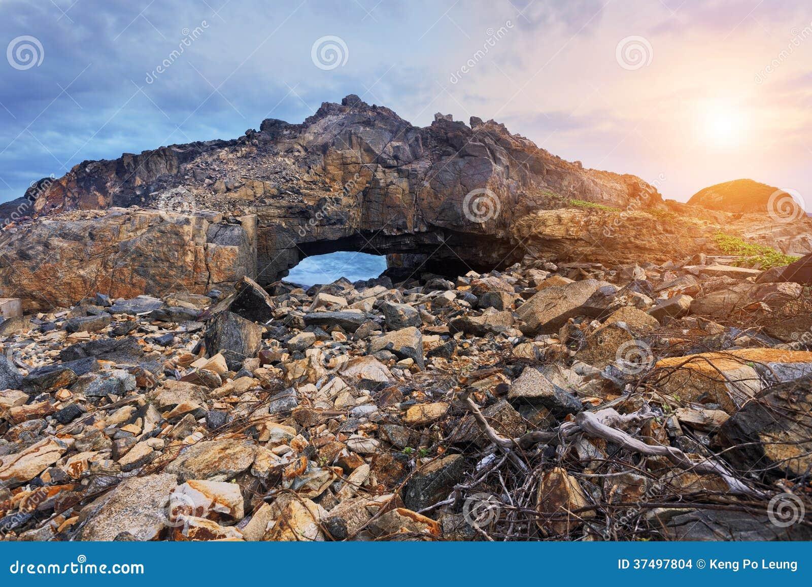Krab dziura, punkt zwrotny w Hongkong Shek O