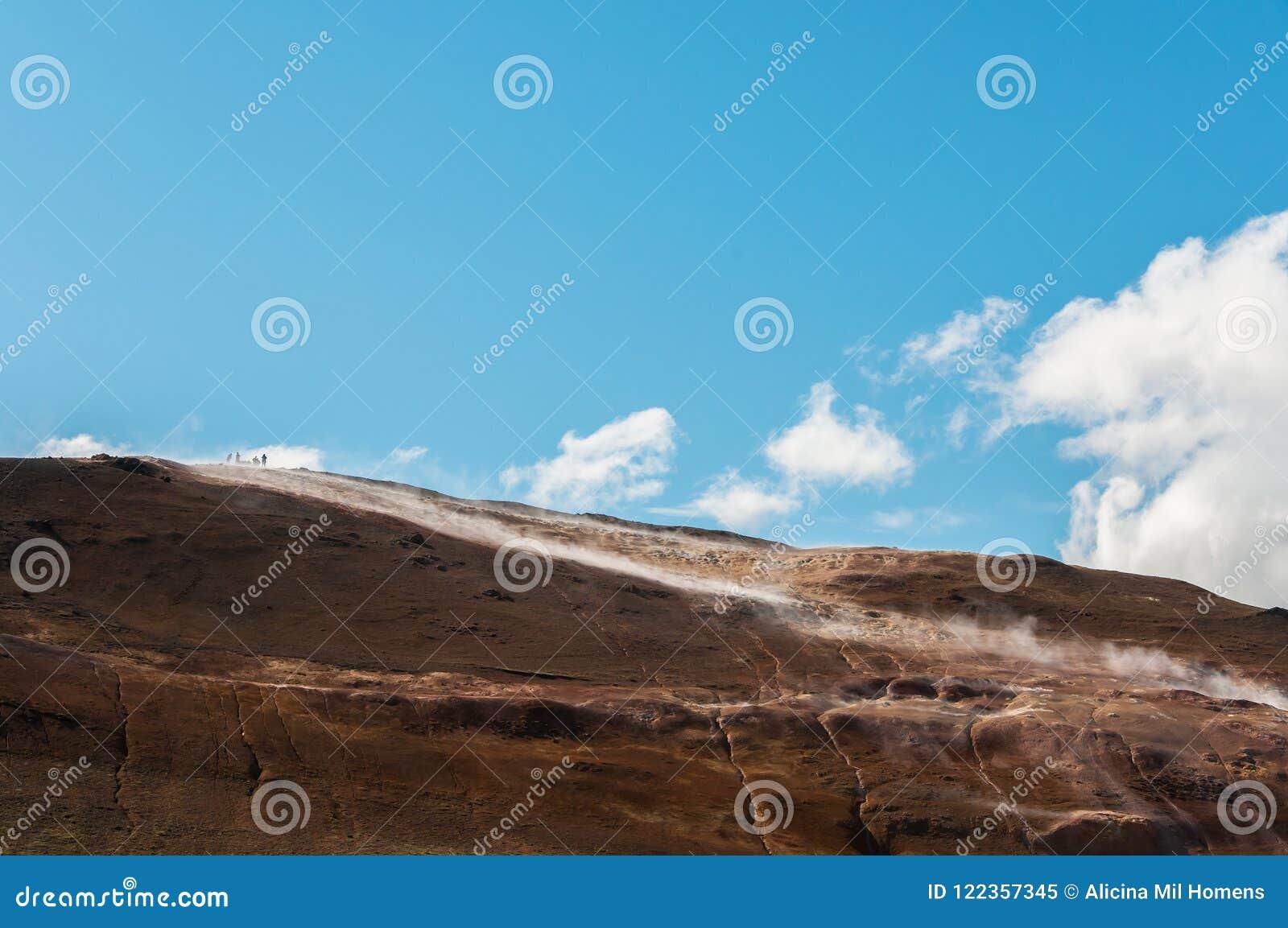 Krafla is een vulkanisch systeem met een diameter van ongeveer 20 die kilometers in het gebied van MÃ ½ worden gesitueerd vatn, h