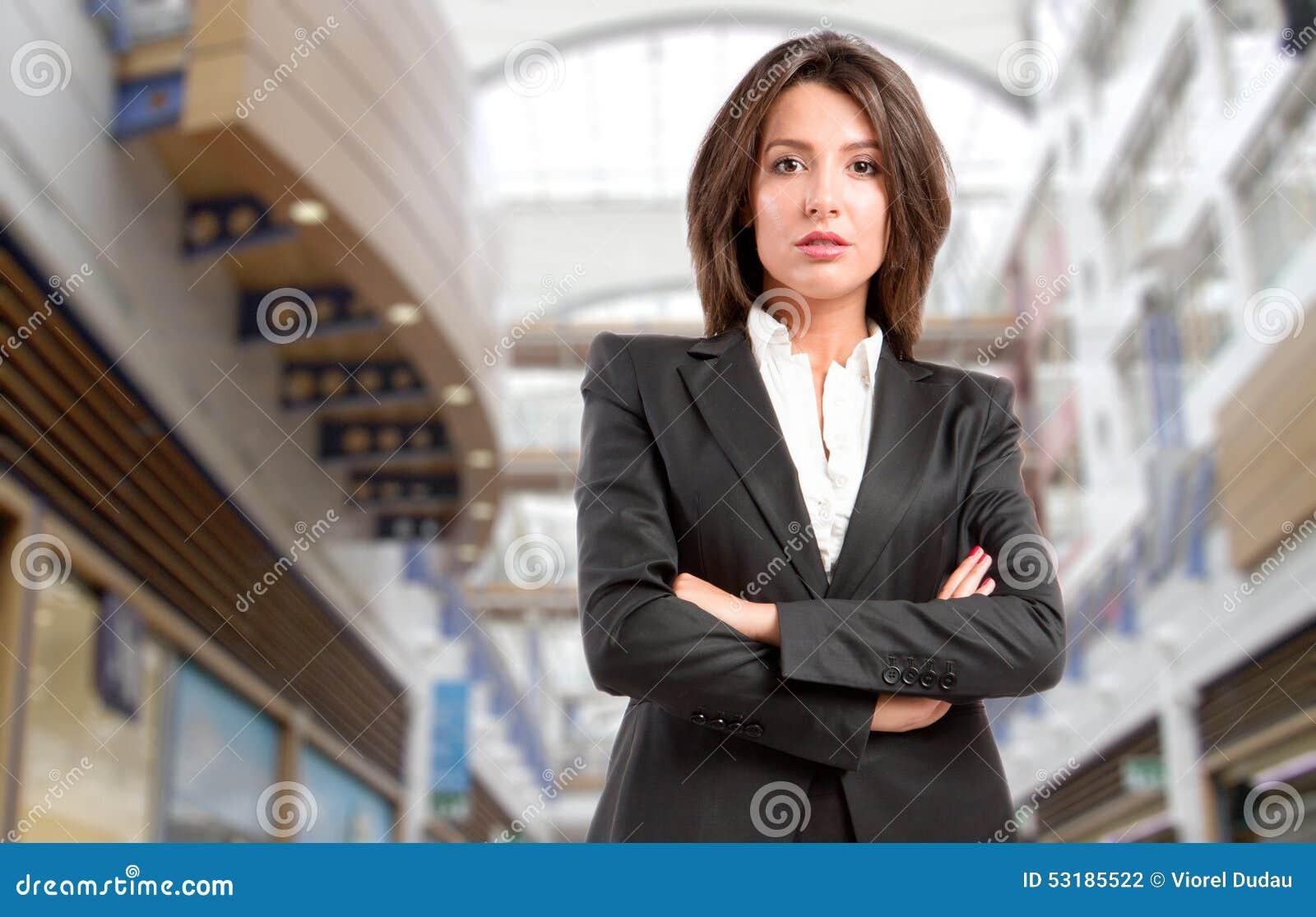 Kraftig kvinna för affär